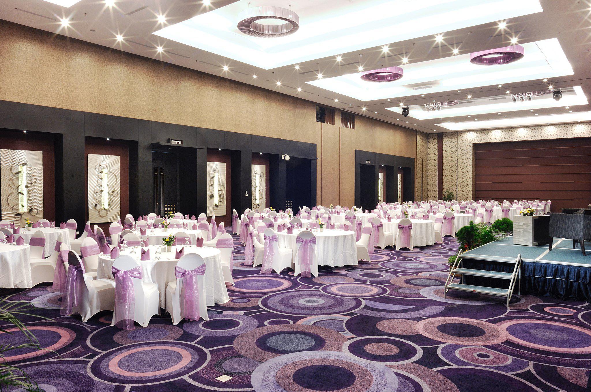 Holiday Inn Bandung Pasteur, an IHG Hotel