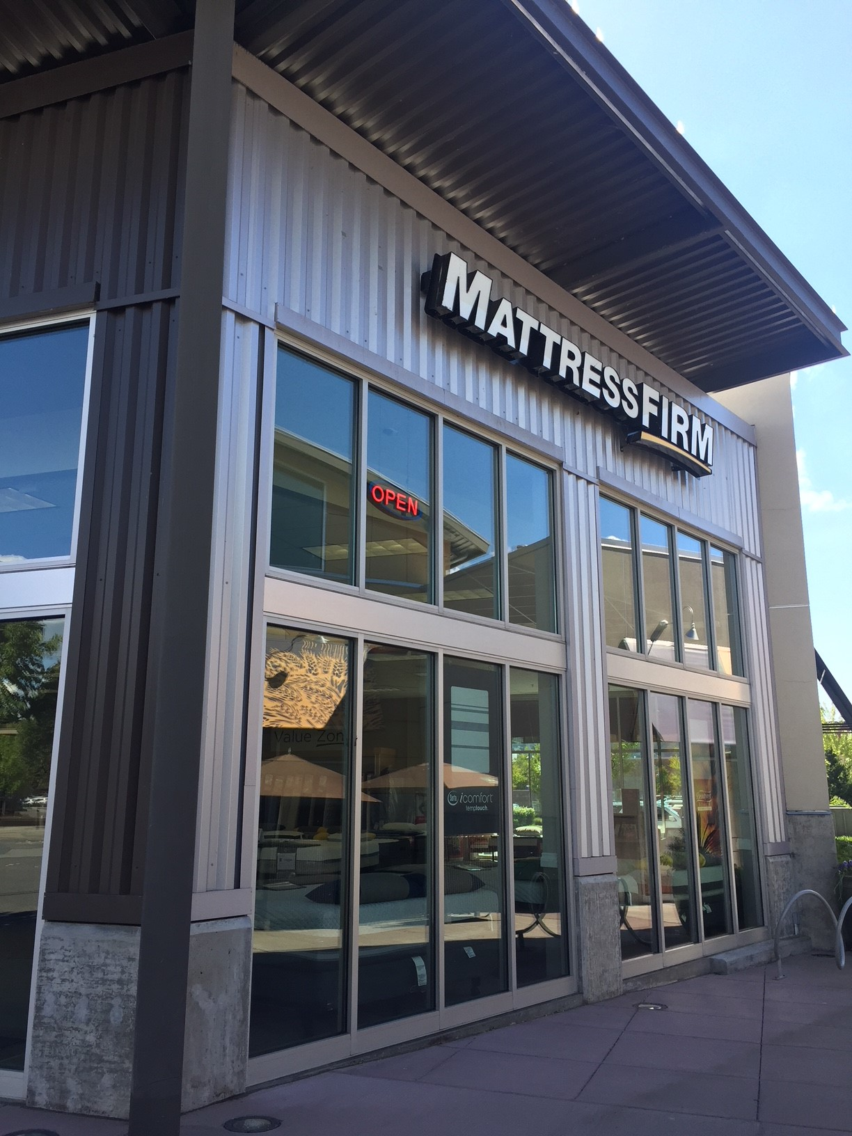 Mattress Firm The Landing image 0