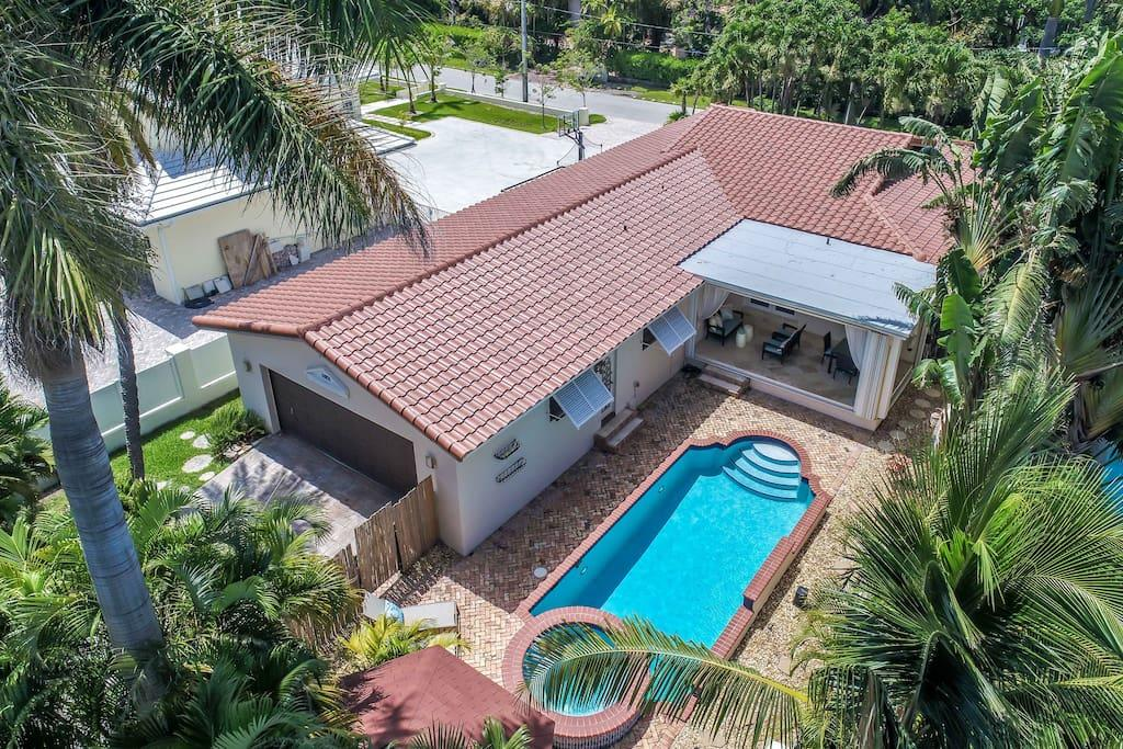HVR Vacation  Hollywood - Florida home rentals image 3