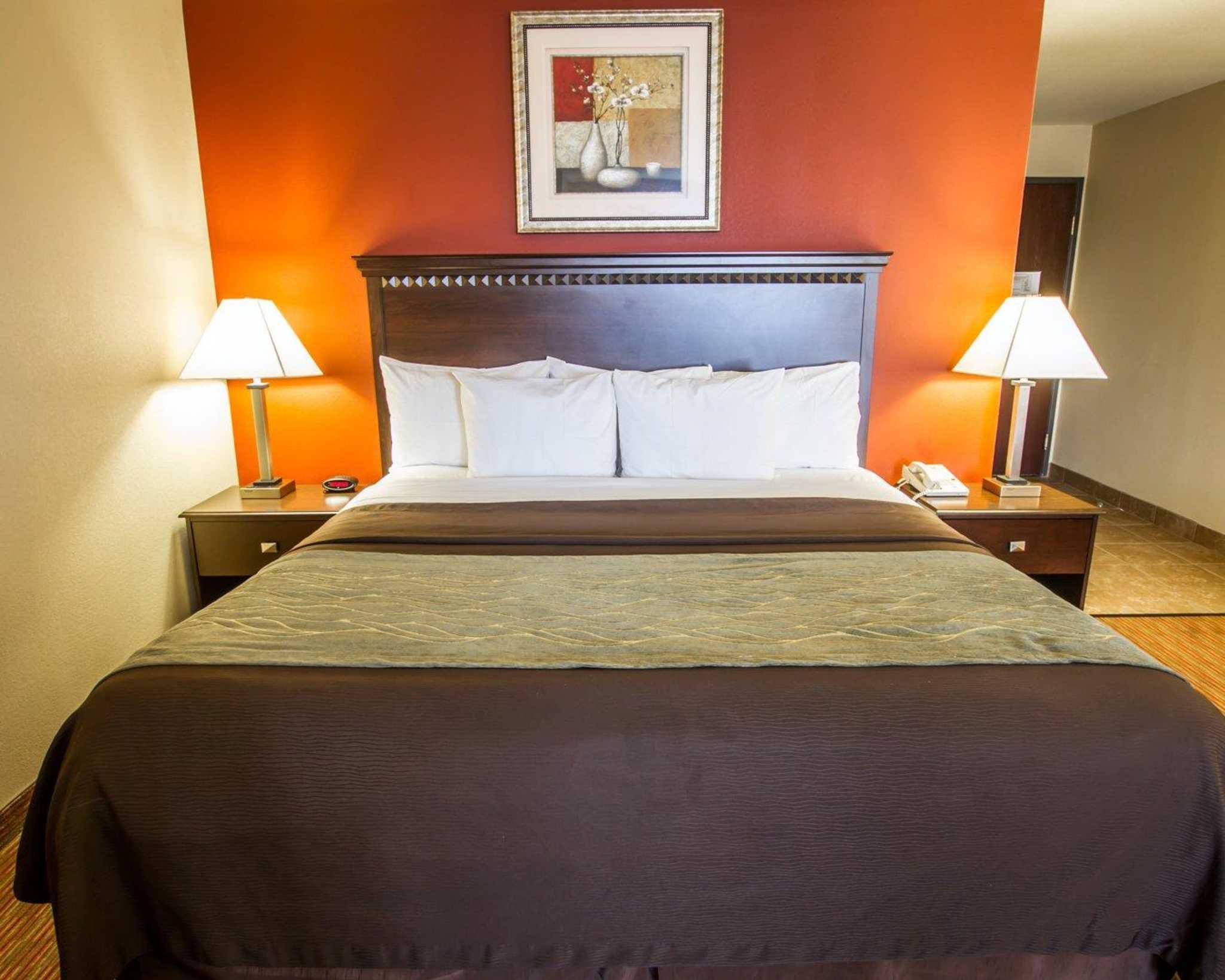 Comfort Inn West image 8