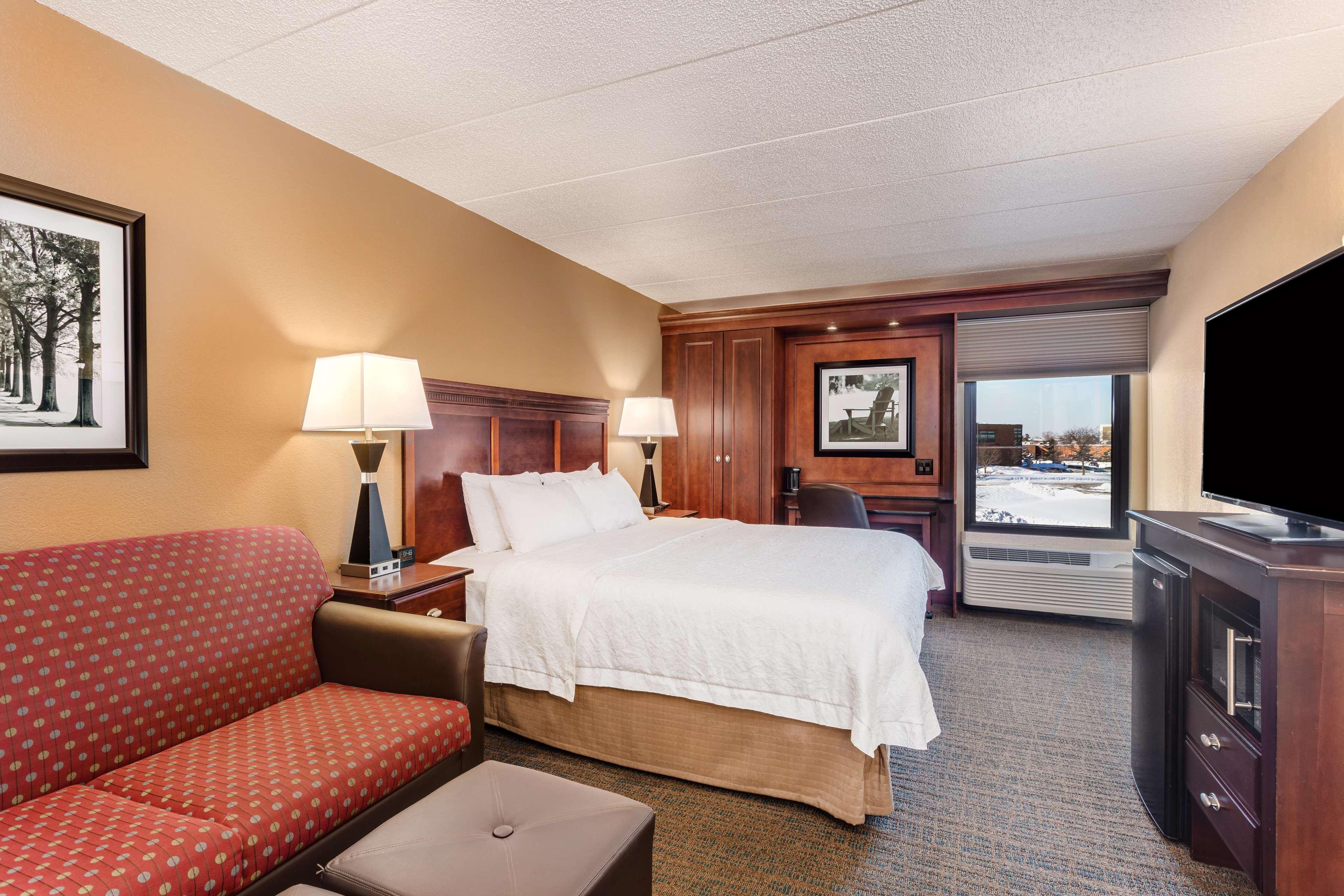 Hampton Inn Milwaukee/Brookfield image 9