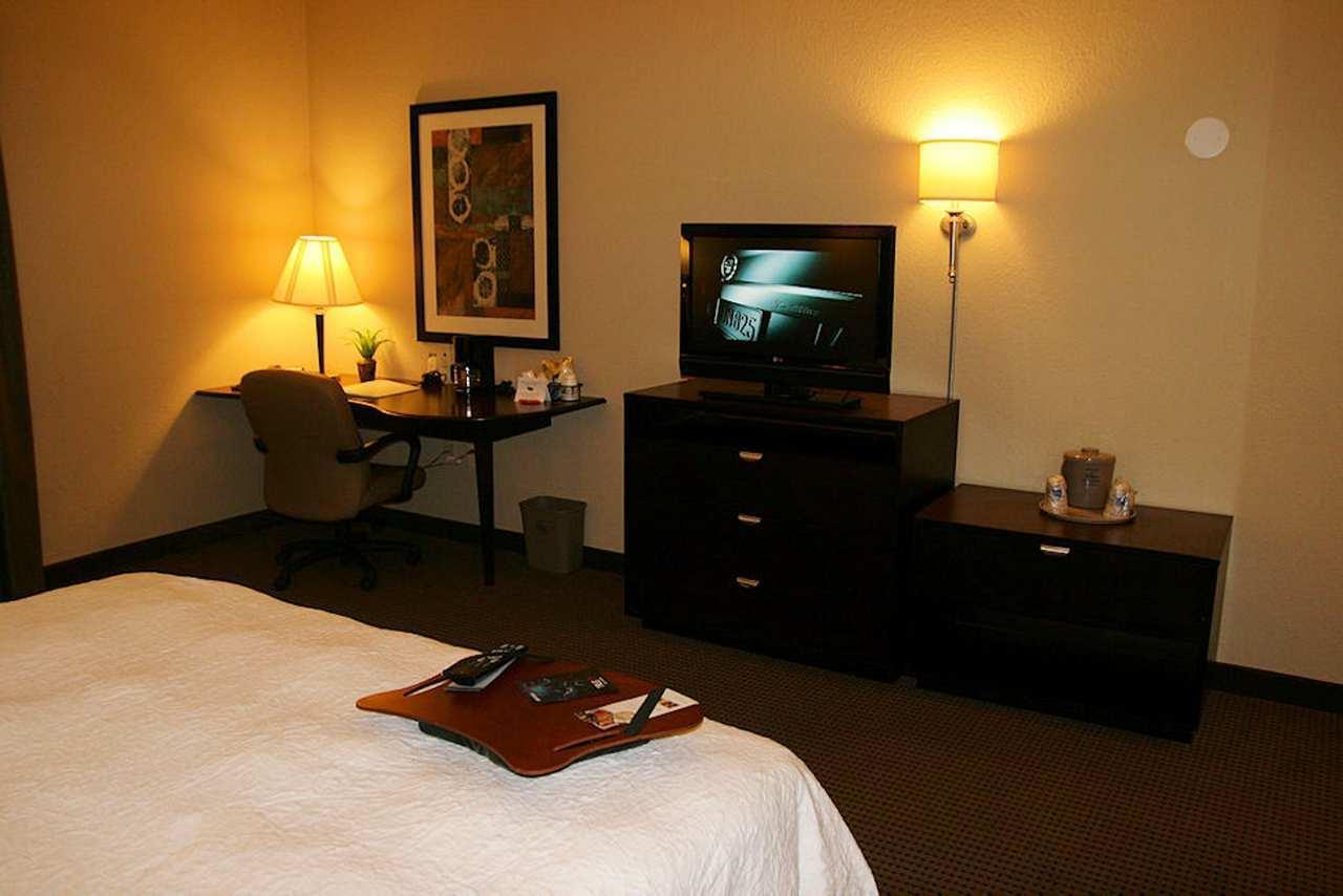 Hampton Inn & Suites Phoenix Glendale-Westgate image 6