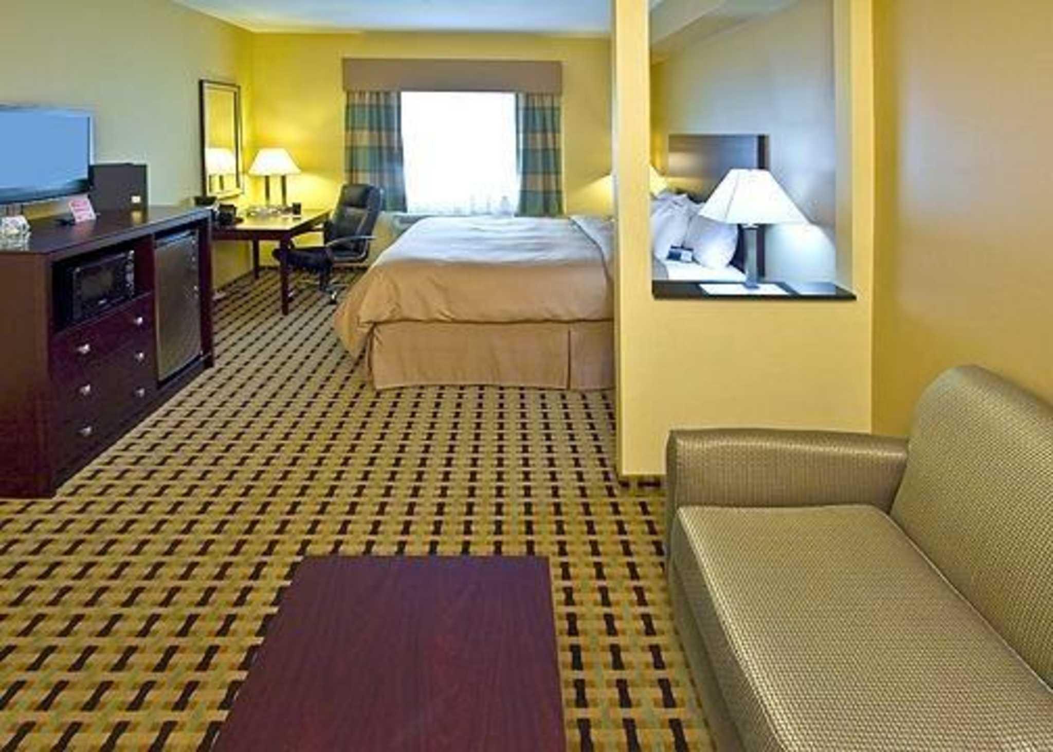 Clarion Inn & Suites Atlantic City North image 3