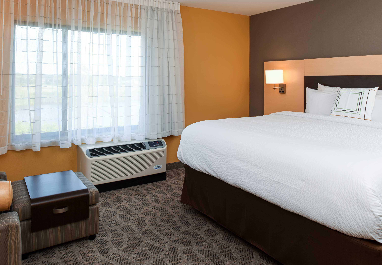 TownePlace Suites by Marriott Detroit Commerce image 3