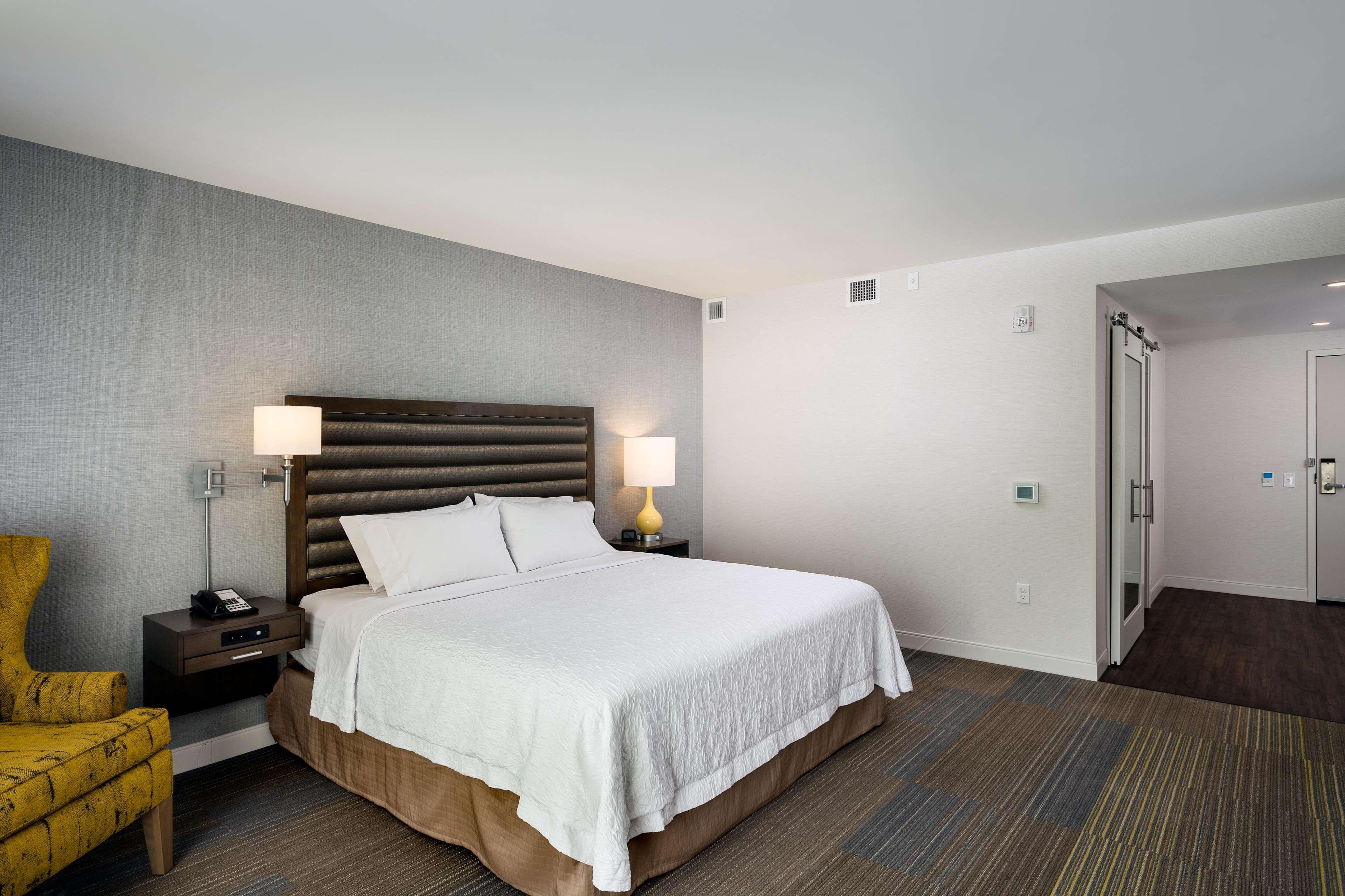 Hampton Inn & Suites by Hilton Seattle/Northgate image 18