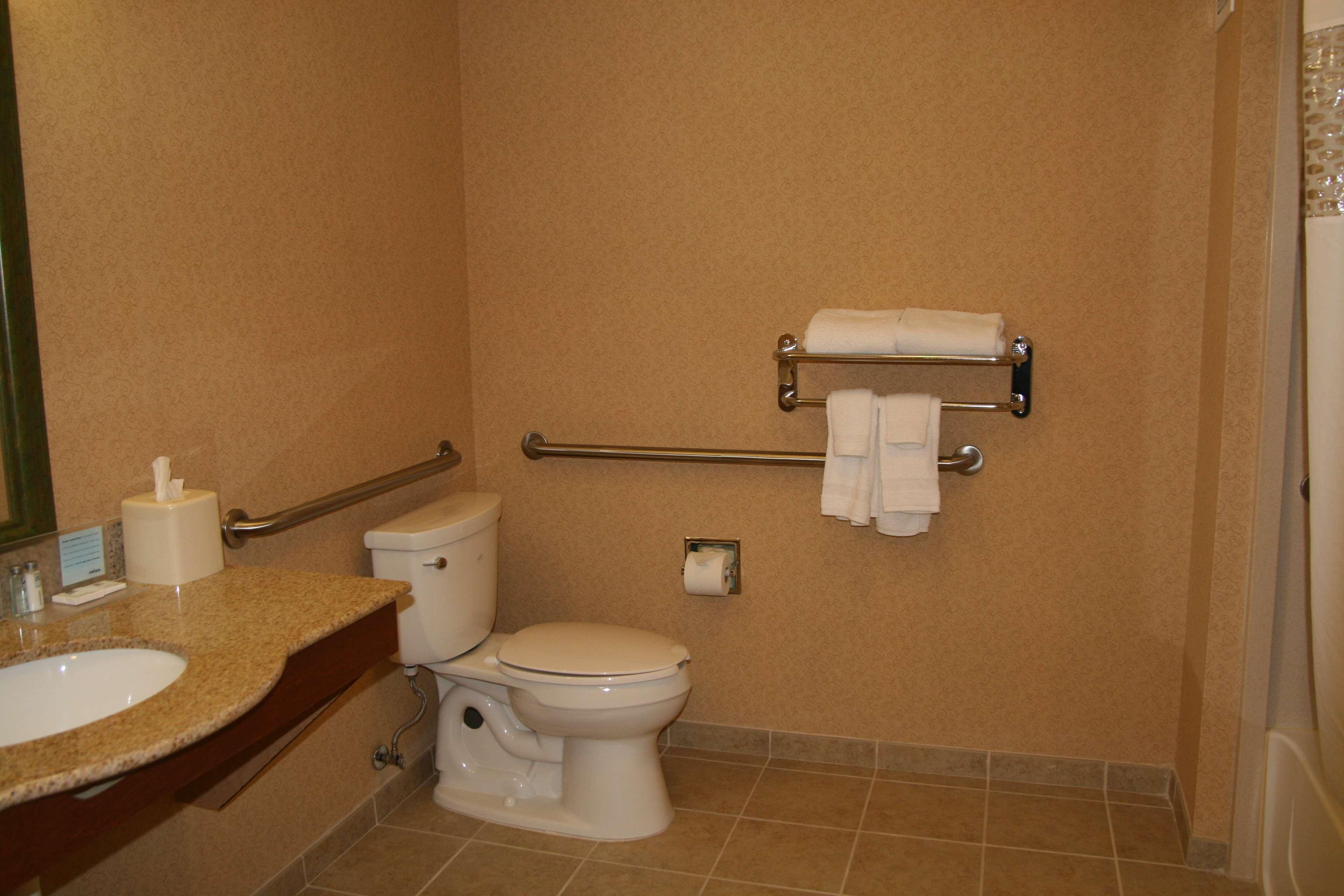 Hampton Inn & Suites Rohnert Park - Sonoma County image 9