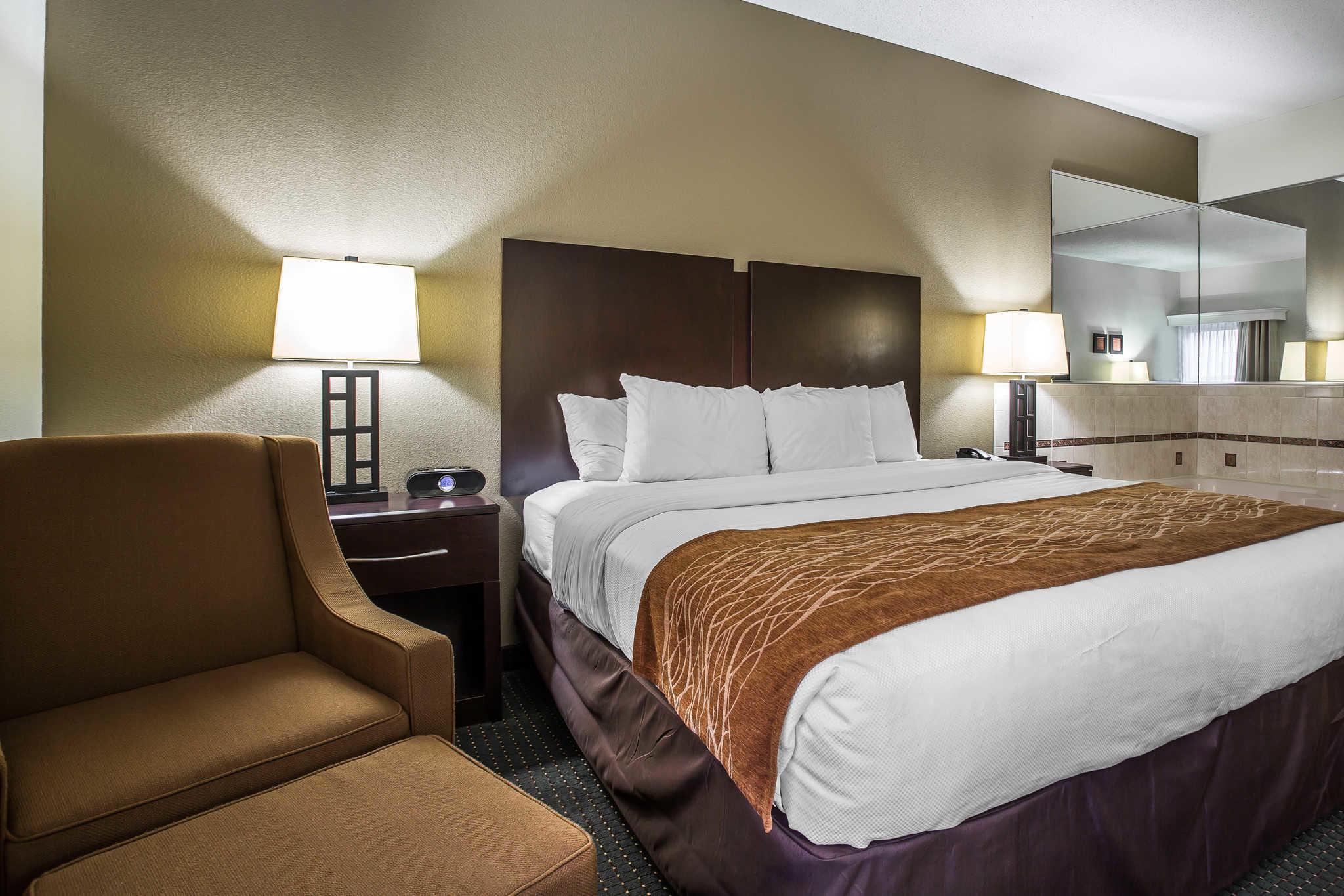 Comfort Inn & Suites Lake Norman image 23