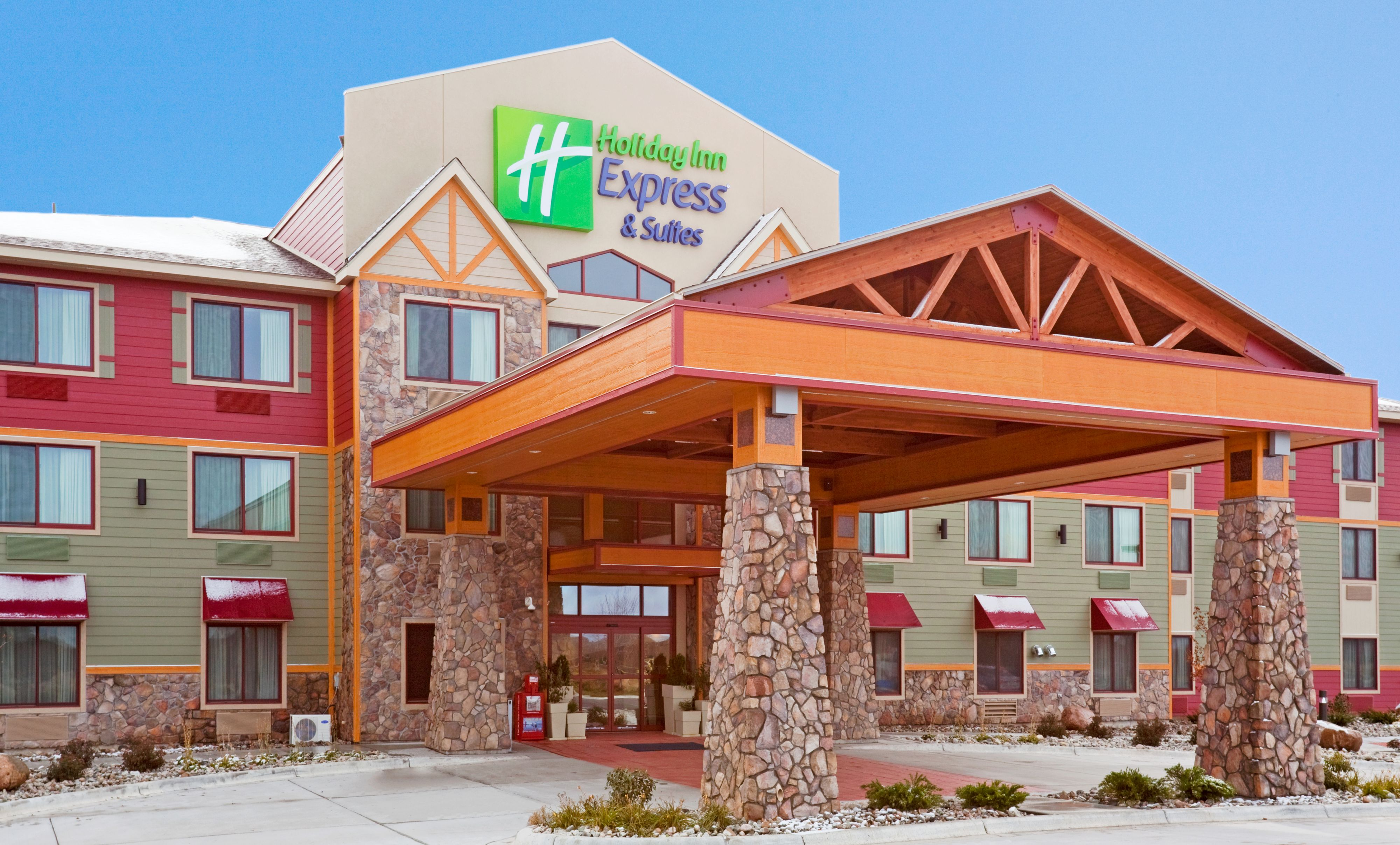 Holiday Inn Express & Suites Mount Pleasant image 3