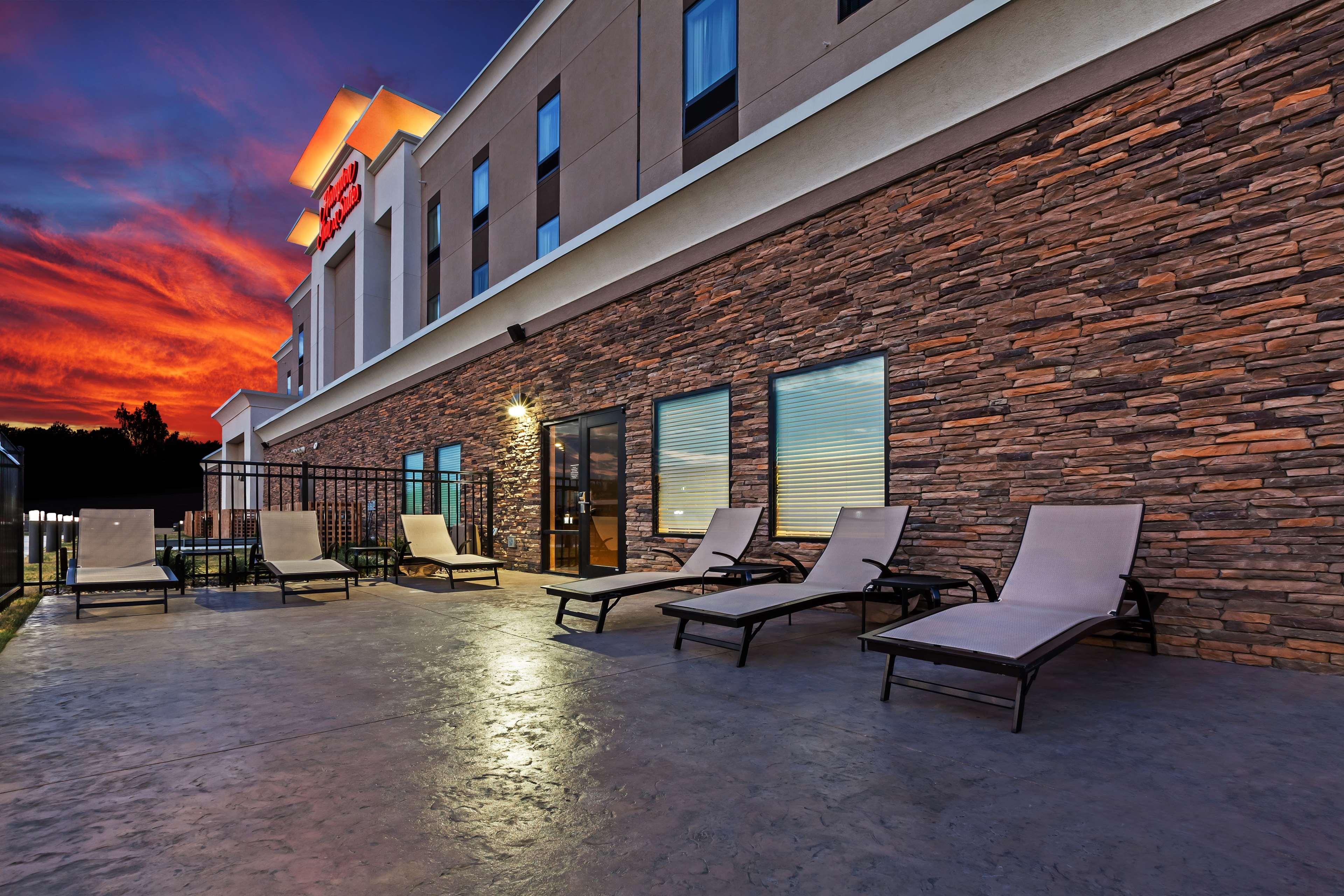 Hampton Inn & Suites Claremore image 2