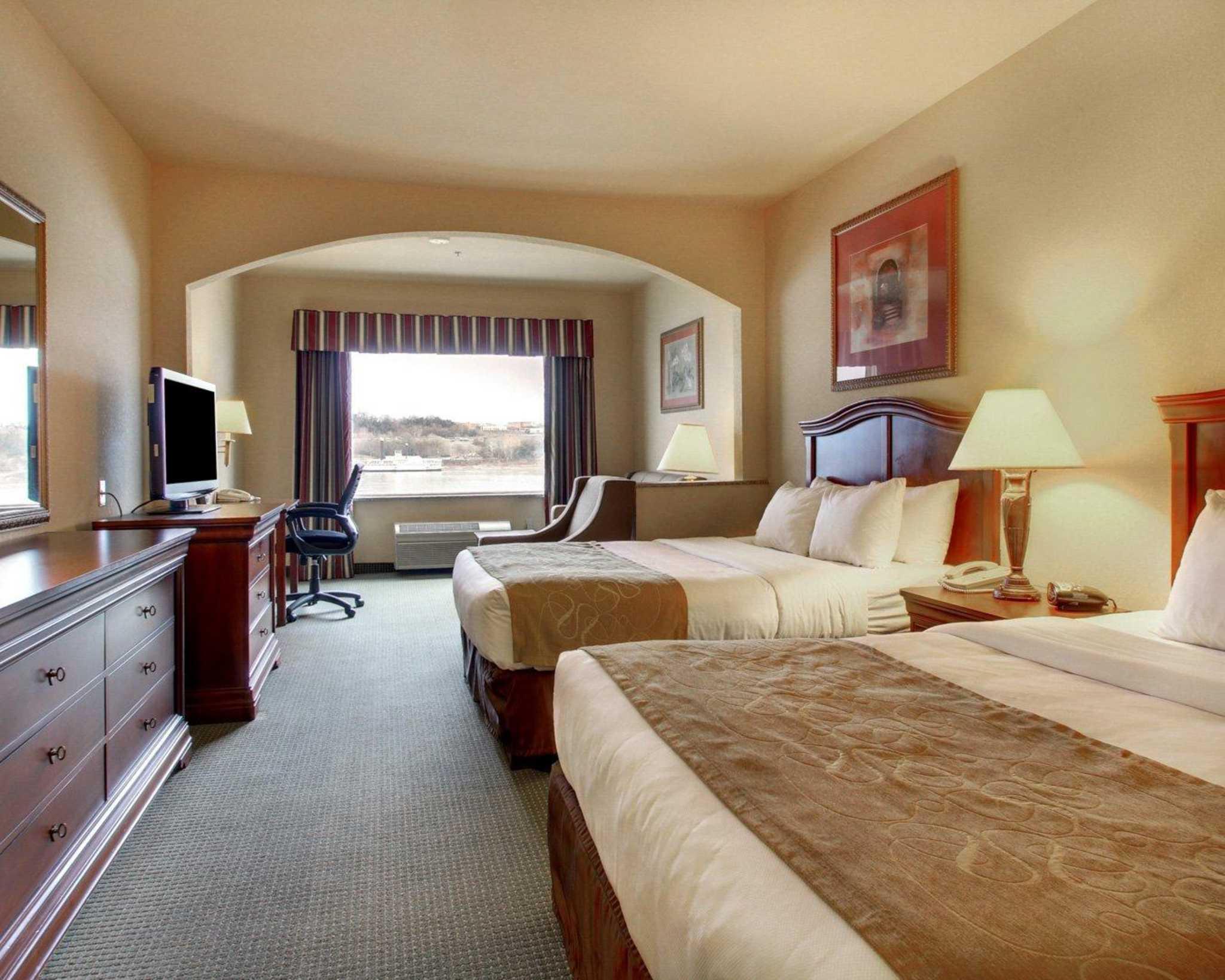 Comfort Suites image 24