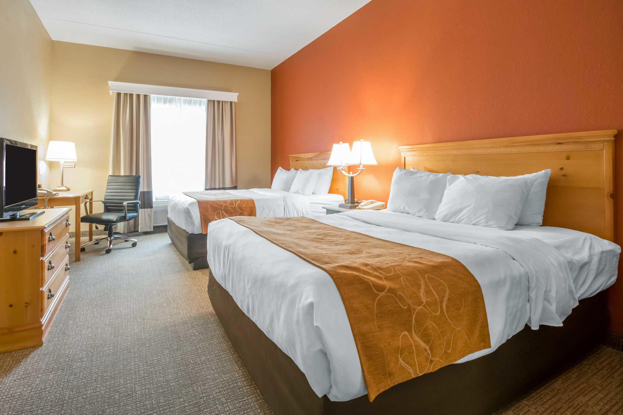 Comfort Suites Airport image 10