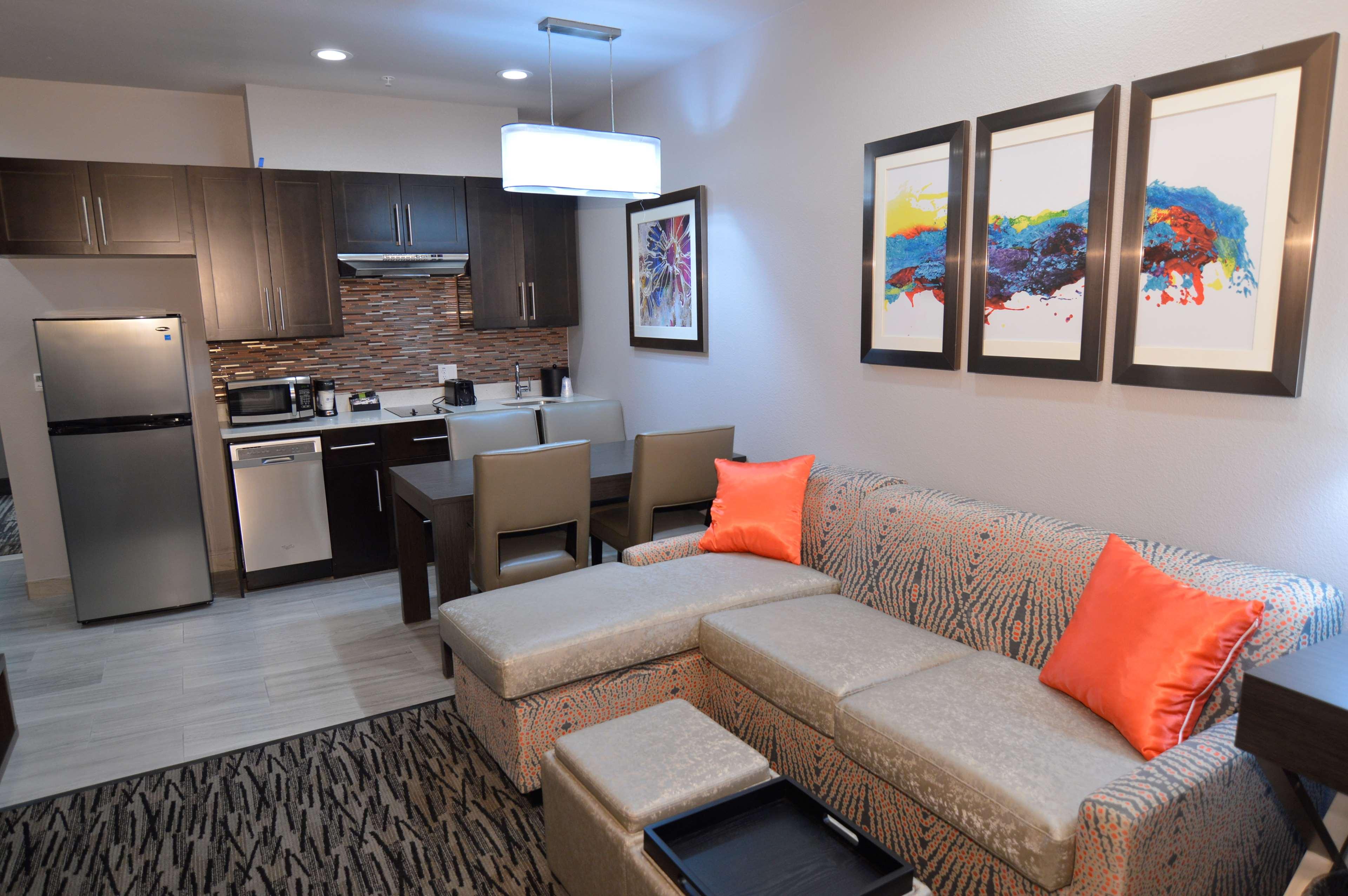 Executive Residency by Best Western Baytown image 30