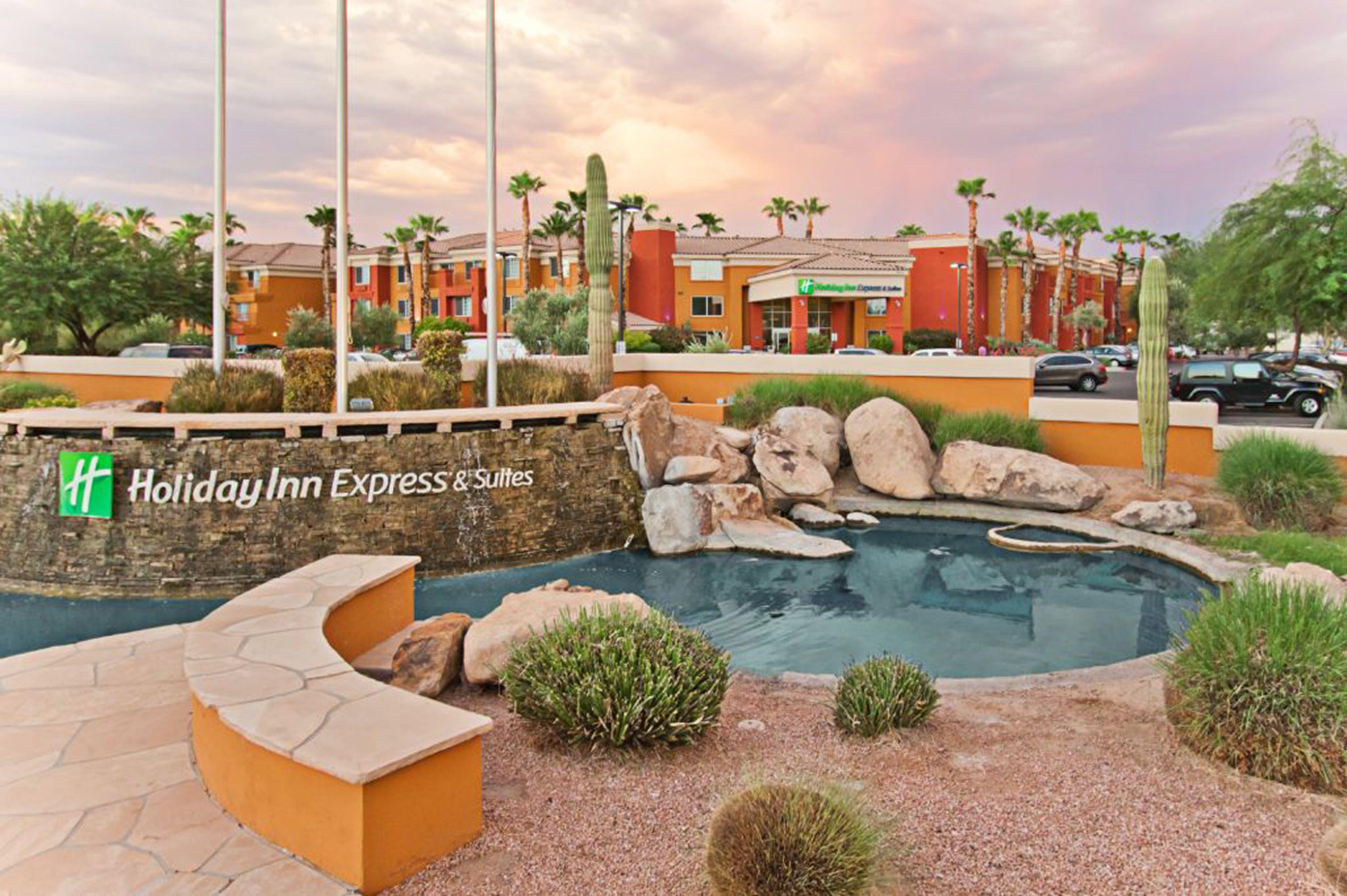 Holiday Inn Express & Suites Scottsburg image 5