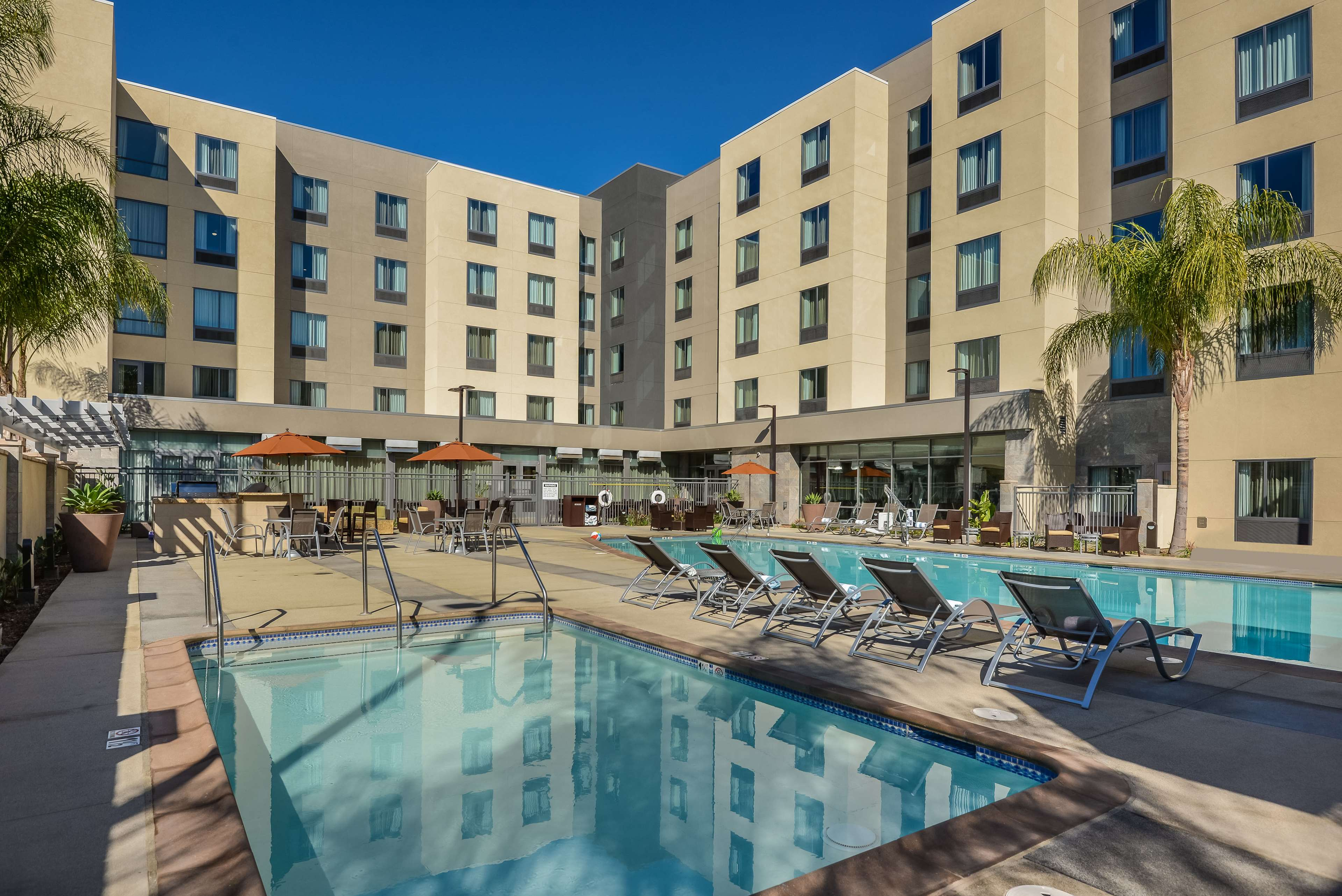 Homewood Suites by Hilton Anaheim Resort - Convention Center image 5