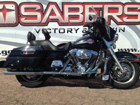Sabers Victory & V-Twin image 4