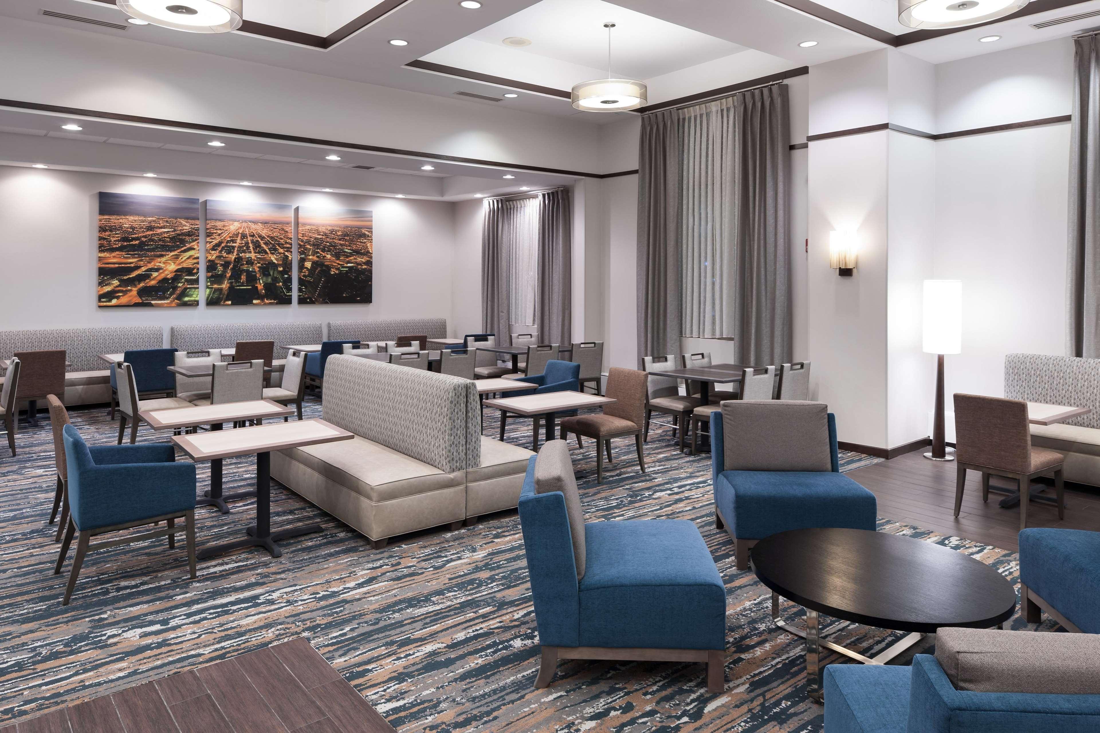 Hampton Inn & Suites Chicago-North Shore/Skokie image 17