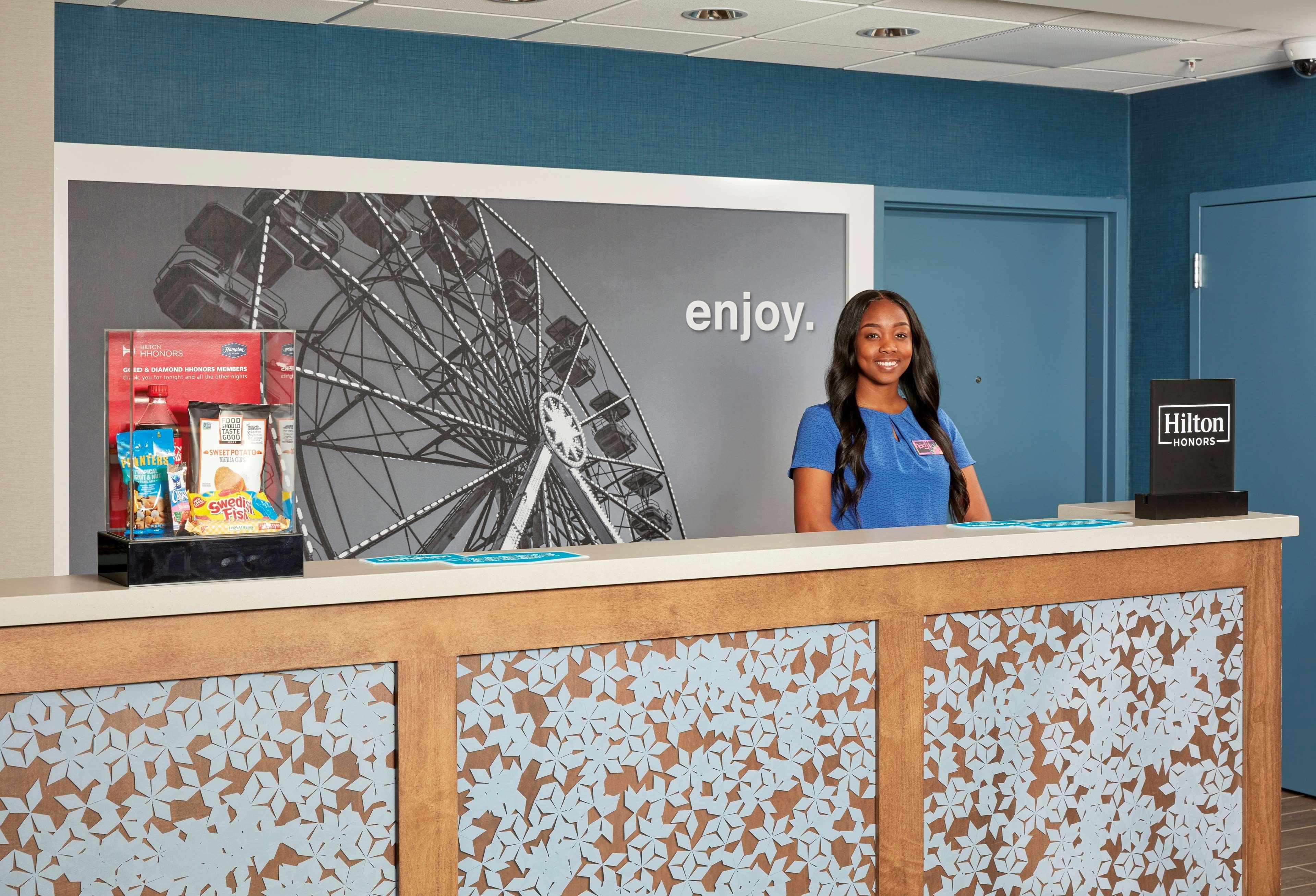 Hampton Inn & Suites Sacramento at CSUS image 10