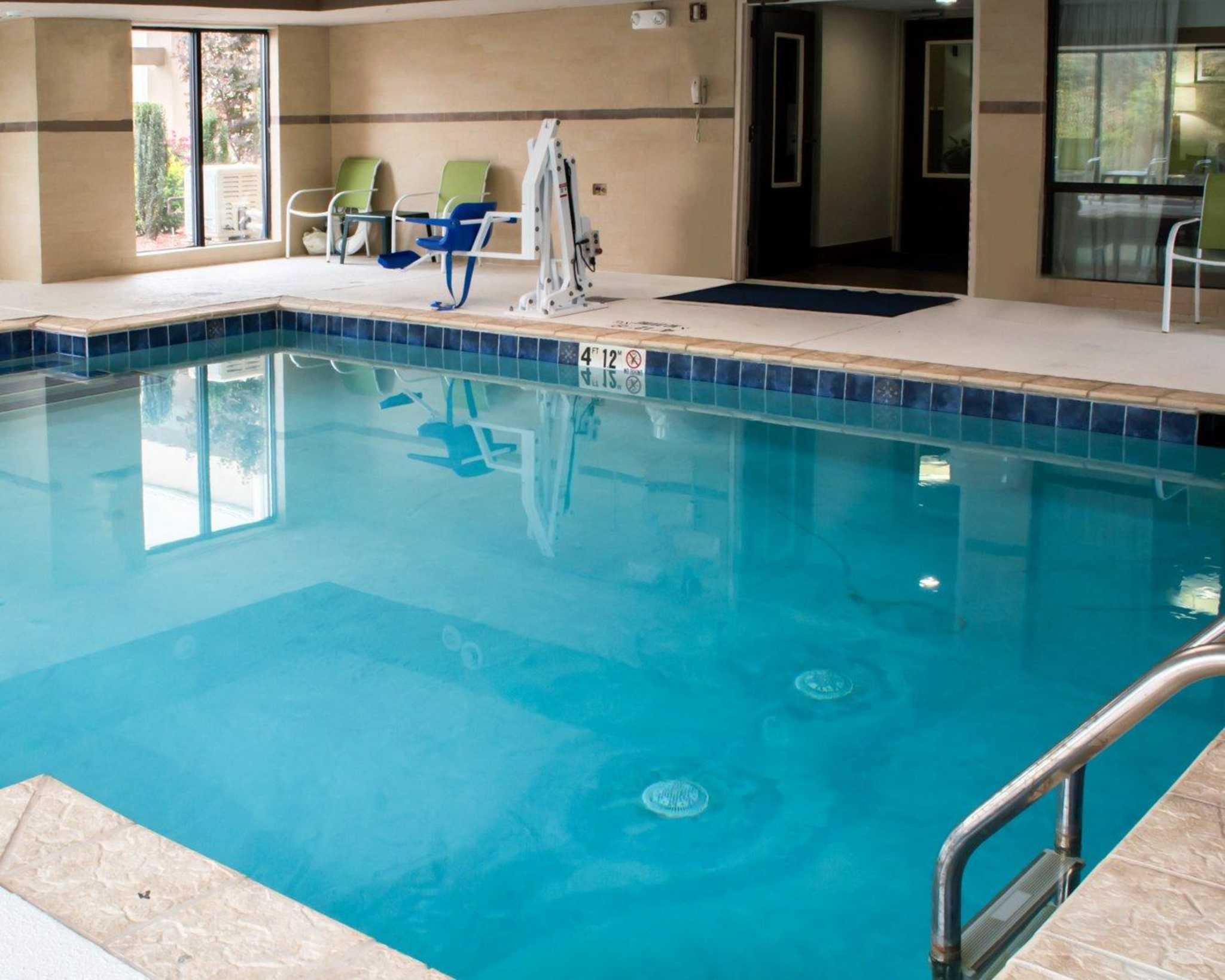 Sleep Inn & Suites near Halifax Regional Medical Center image 13