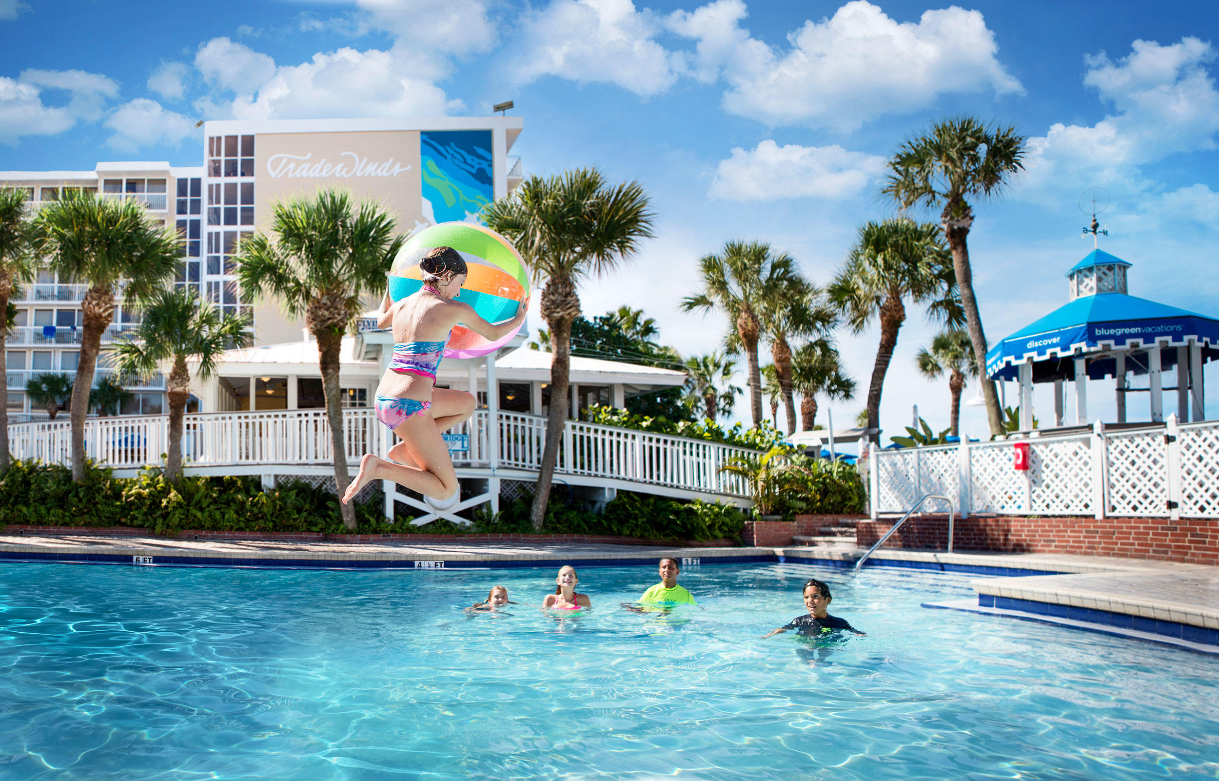 Our kid-friendly, beachfront pool features dive-in movies and poolside invasions that includes competitions and prizes.