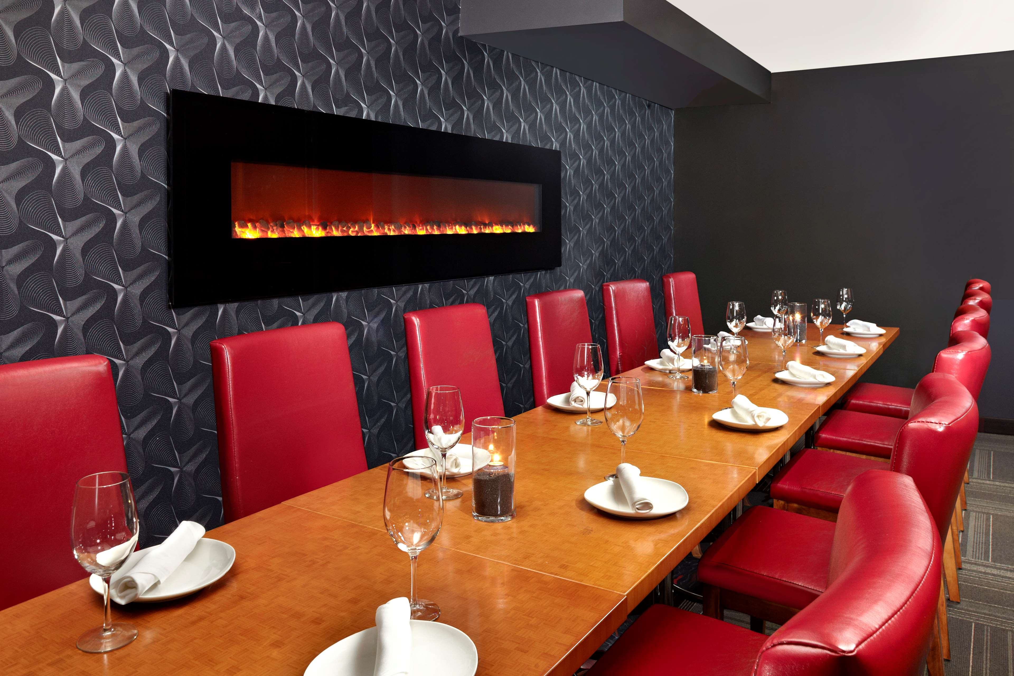 Four points by sheraton hotel suites calgary west for Best private dining rooms calgary