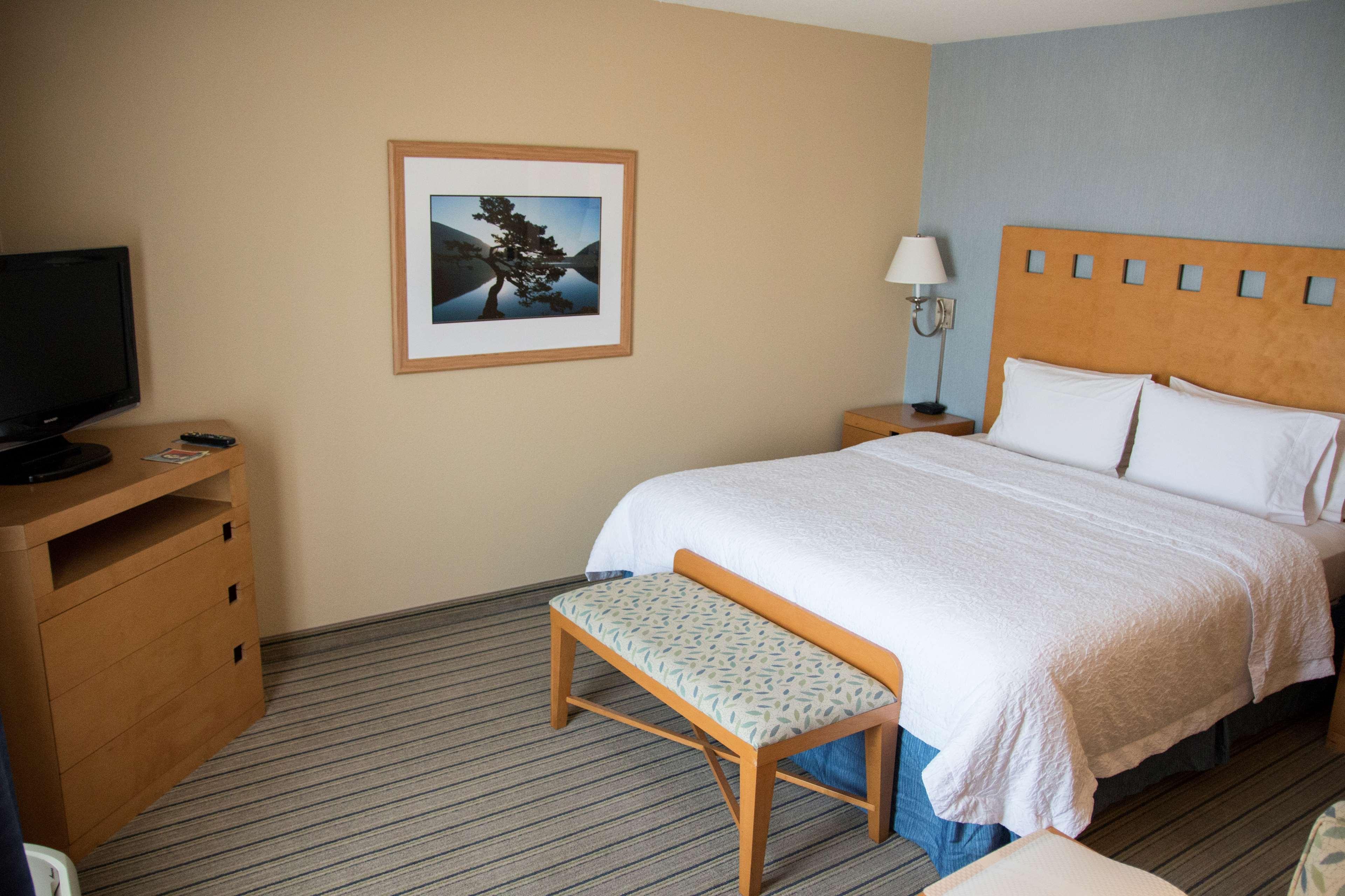 Hampton Inn & Suites Madera image 26