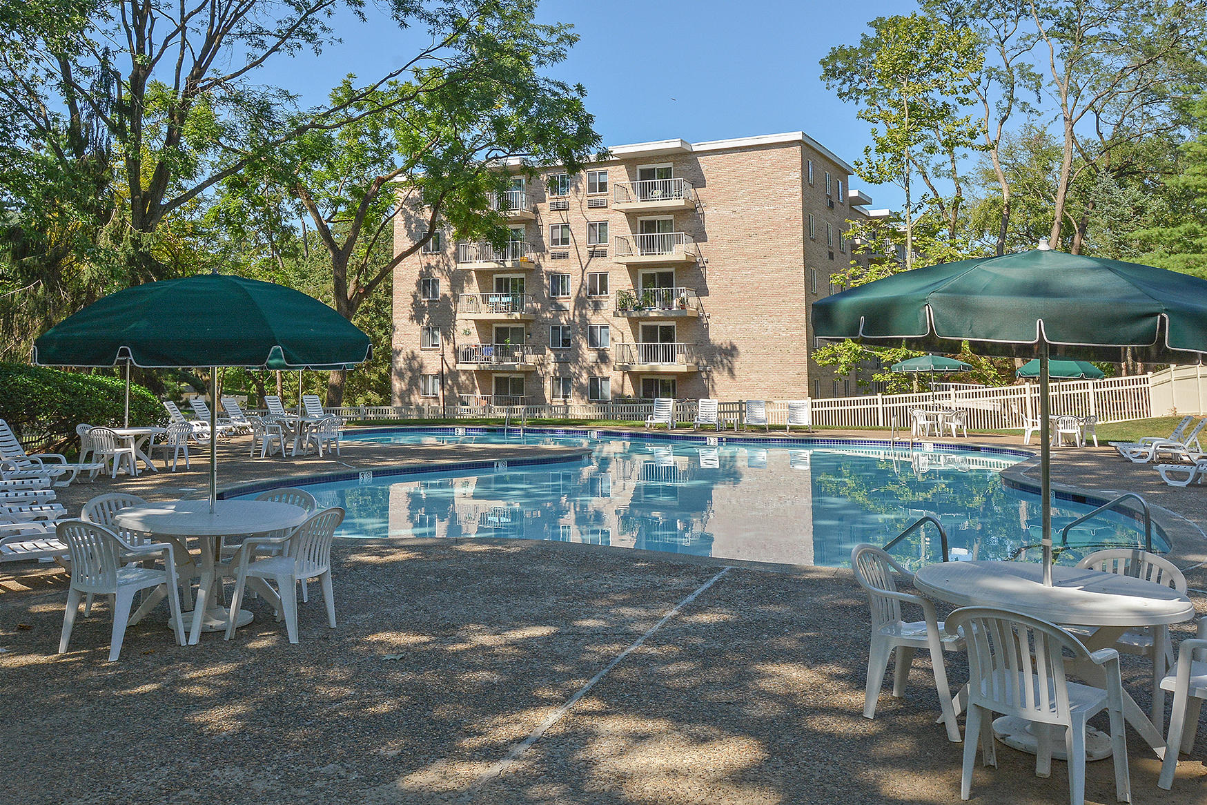 Gulph Mills Village Apartments In King Of Prussia Pa