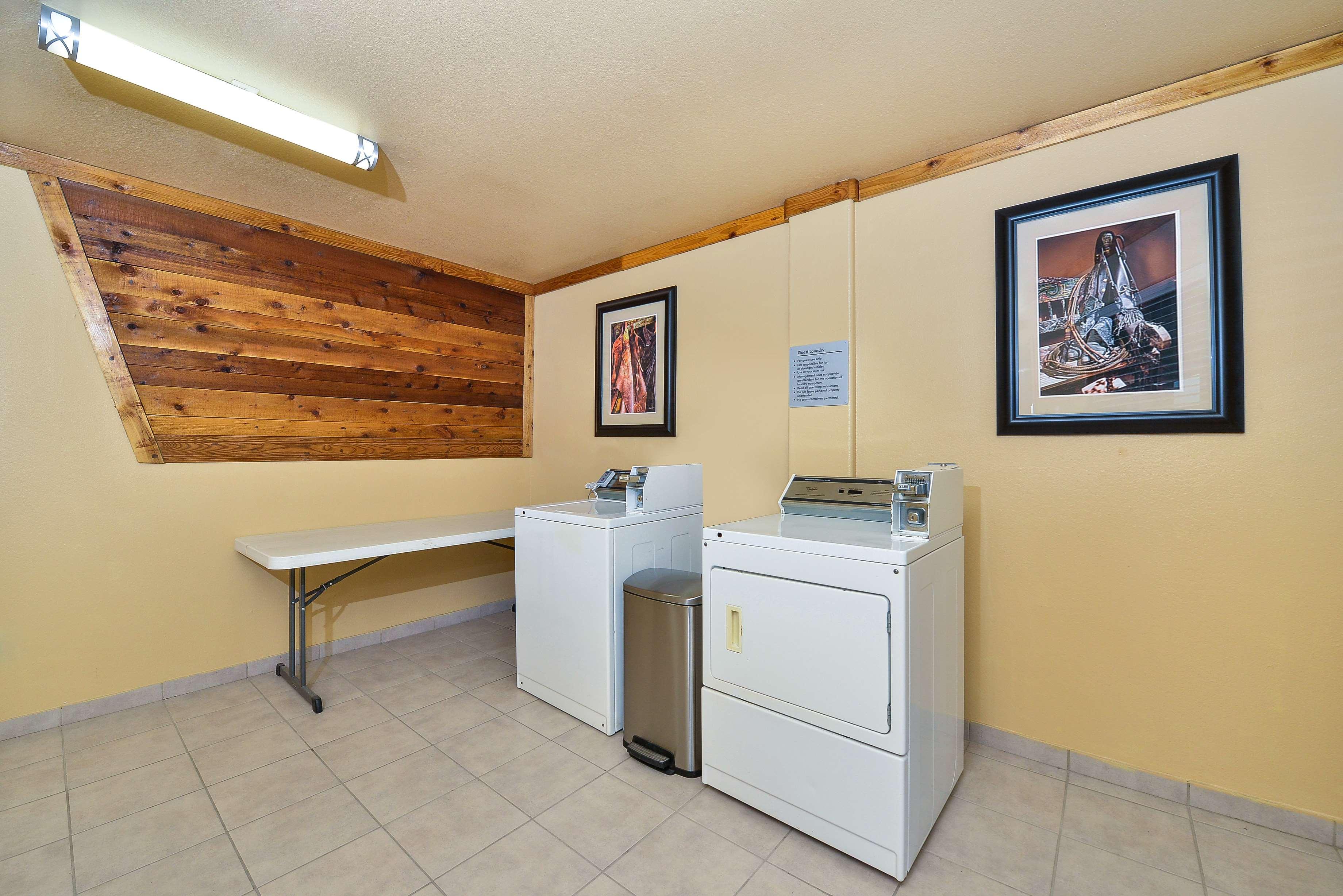 Best Western Windwood Inn & Suites image 17
