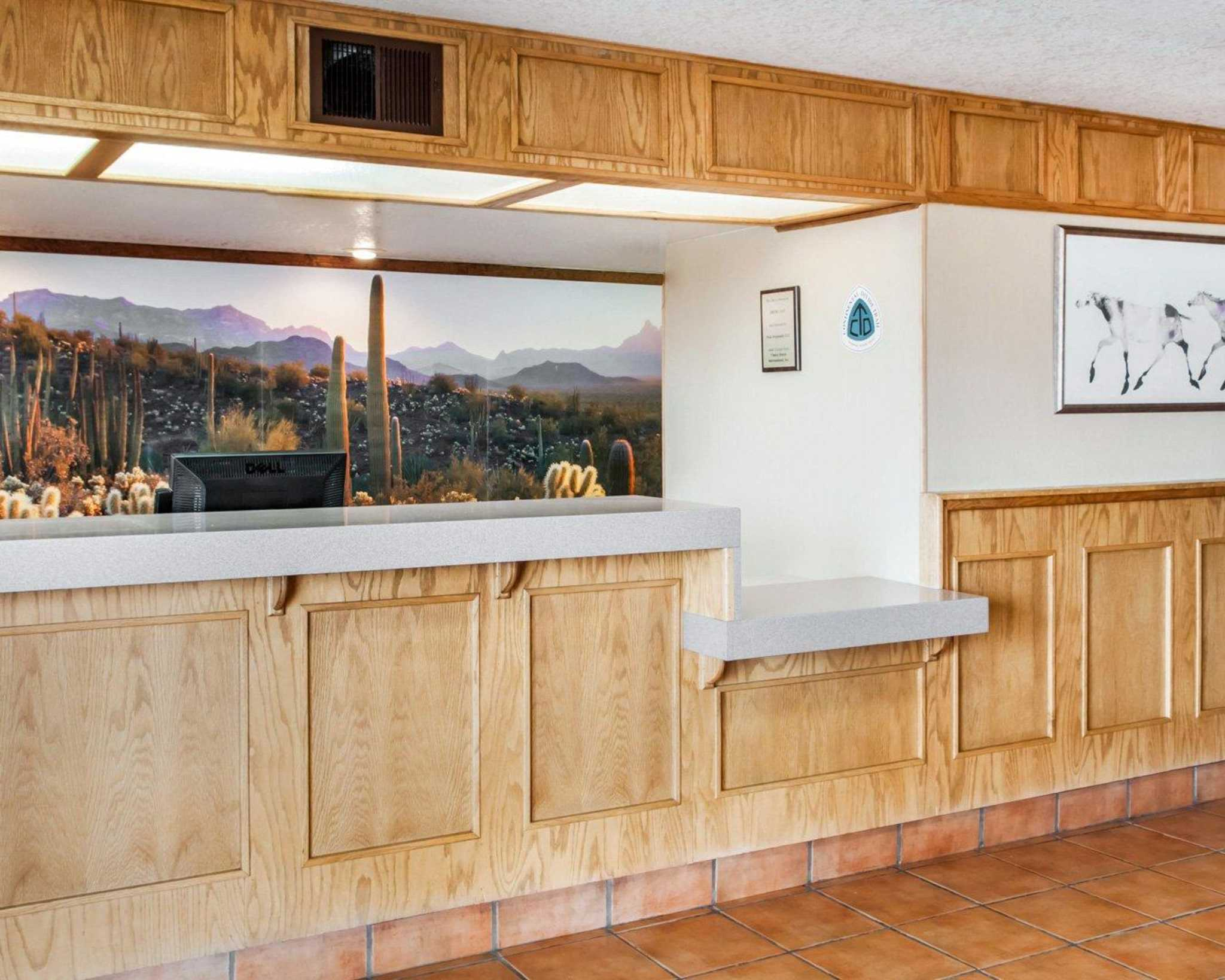 Econo Lodge Lordsburg I-10 image 10
