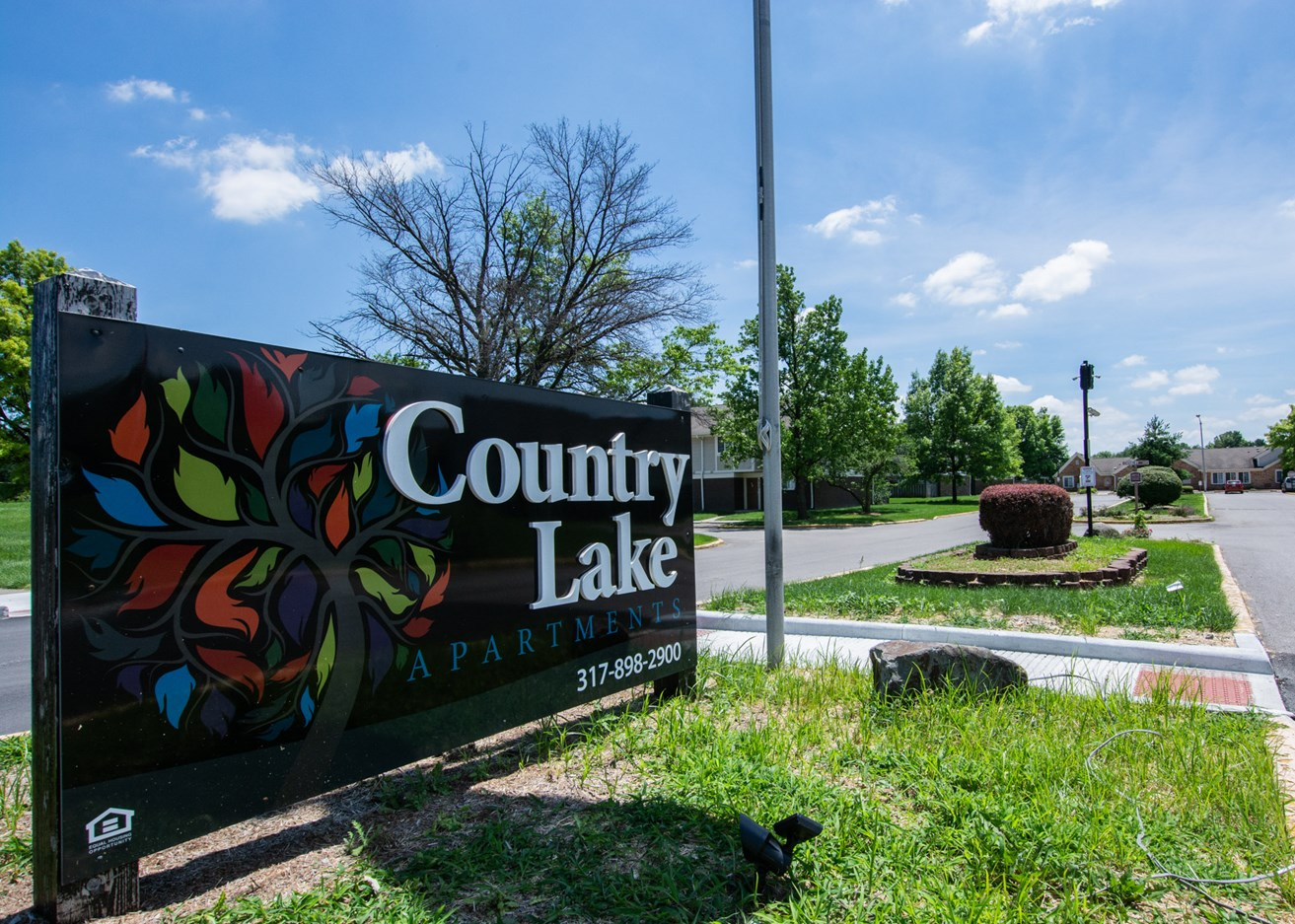 Country Lake Townhomes