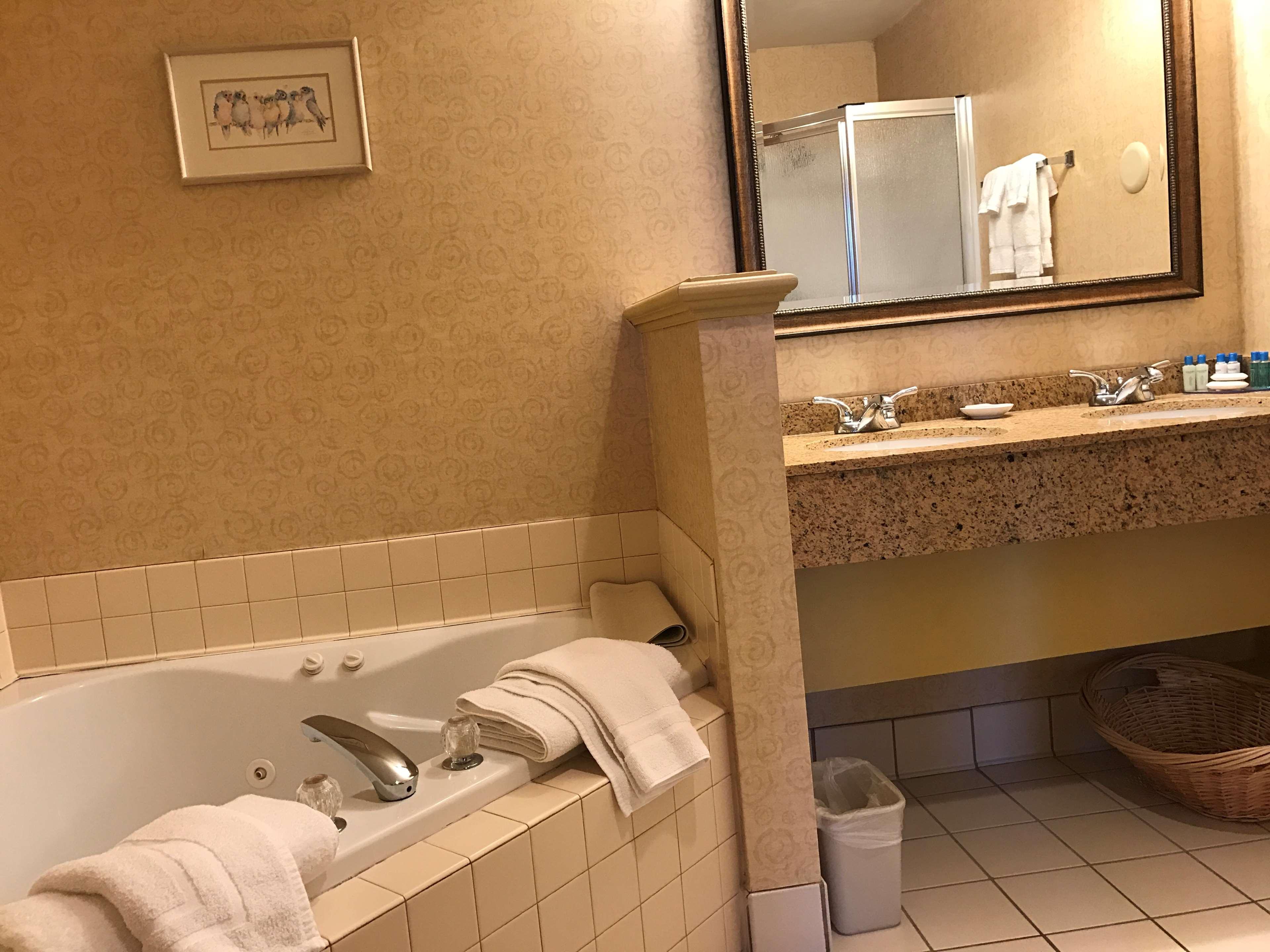 Best Western Plus Revere Inn & Suites image 25