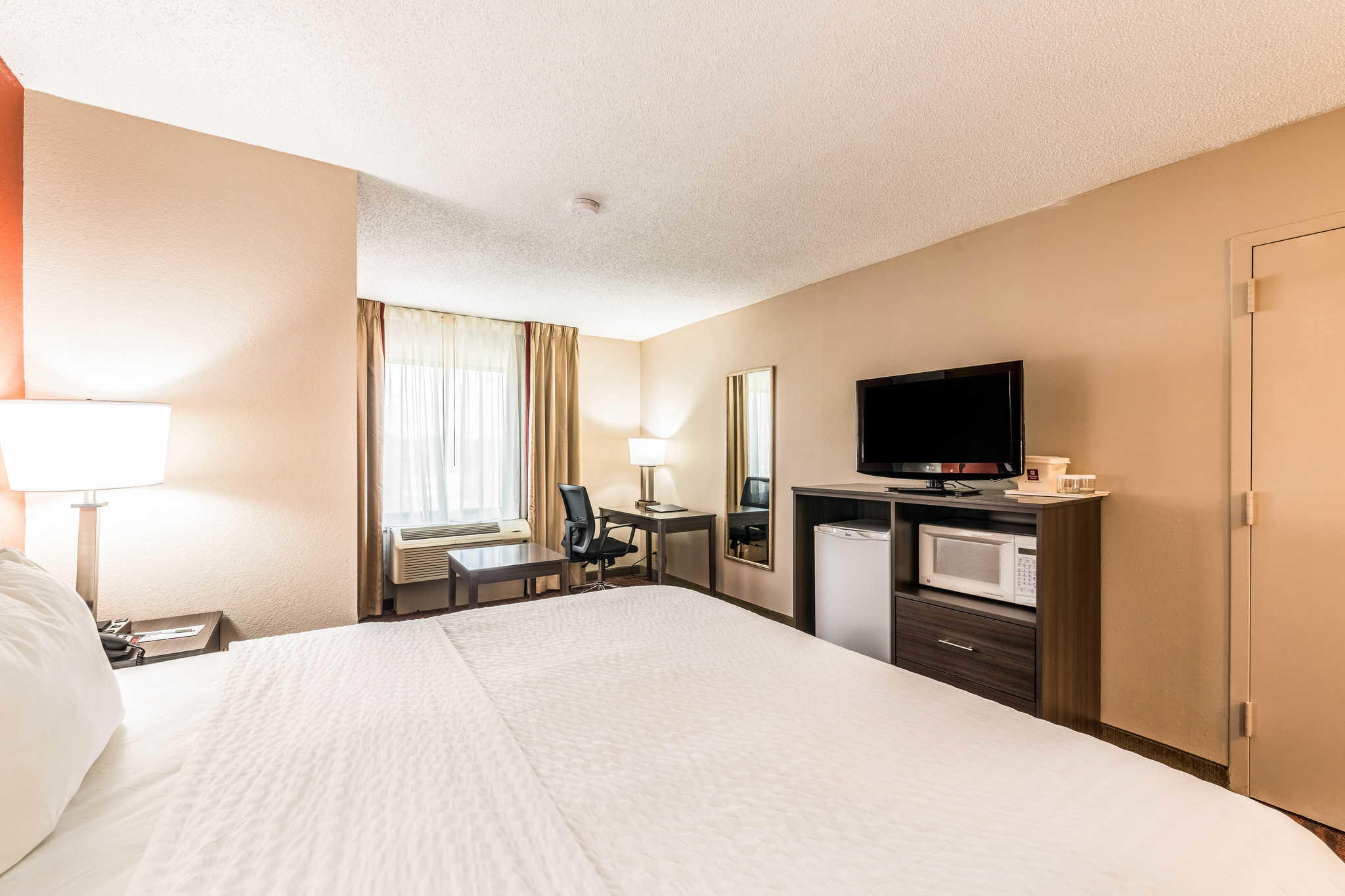 Clarion Inn & Suites image 20