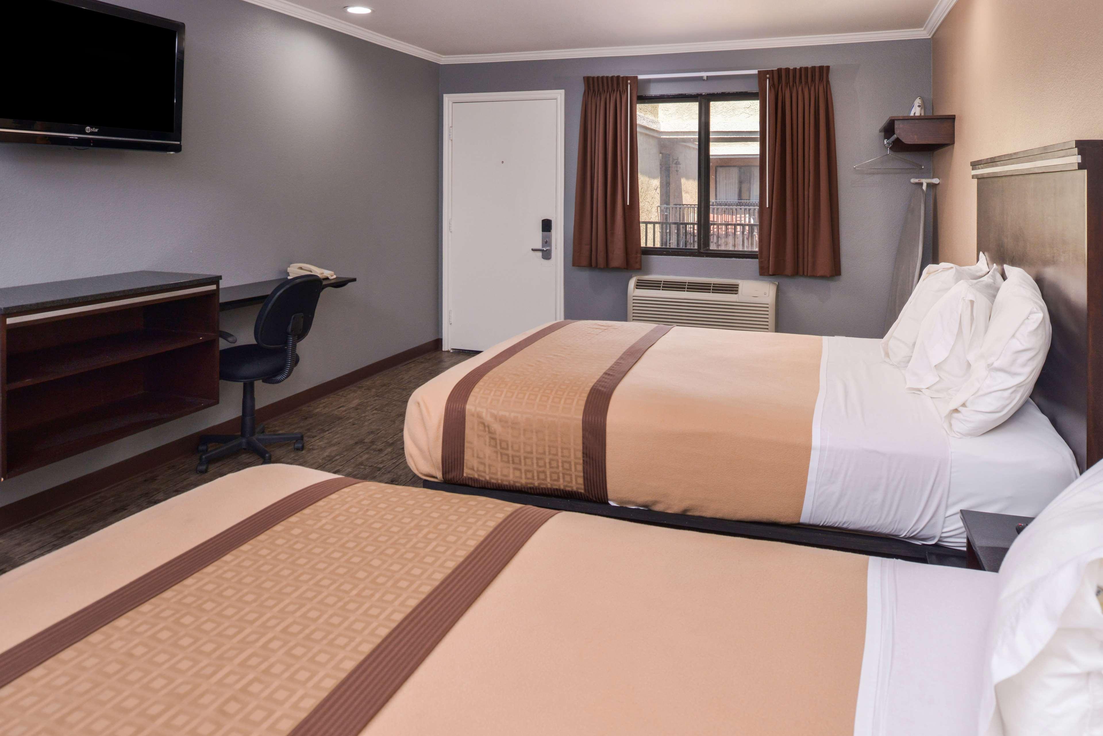 Americas Best Value Laguna Inn & Suites image 18