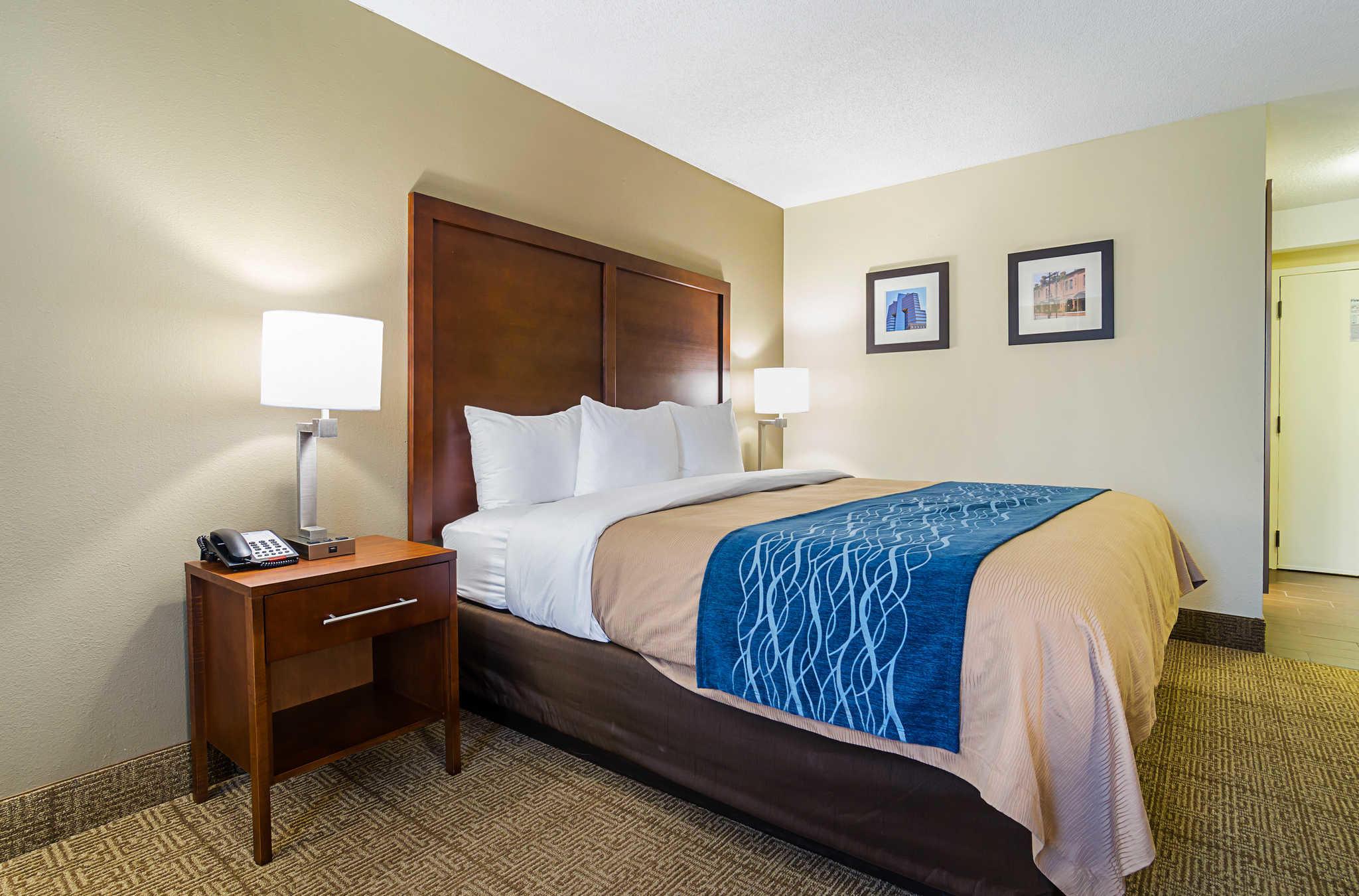 Comfort Inn & Suites Duke University-Downtown image 21