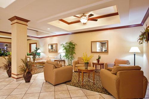 Holiday Inn Express & Suites Rockford-Loves Park image 3