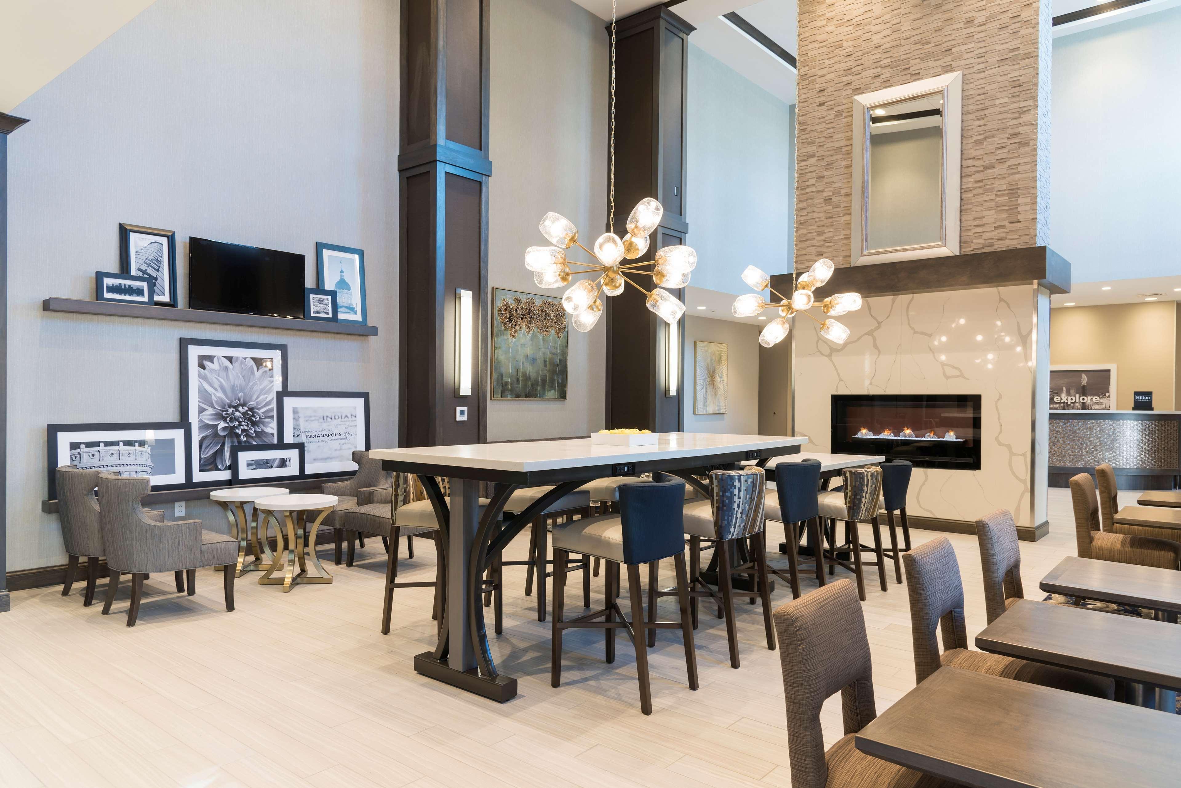 Hampton Inn & Suites Indianapolis-Keystone image 6