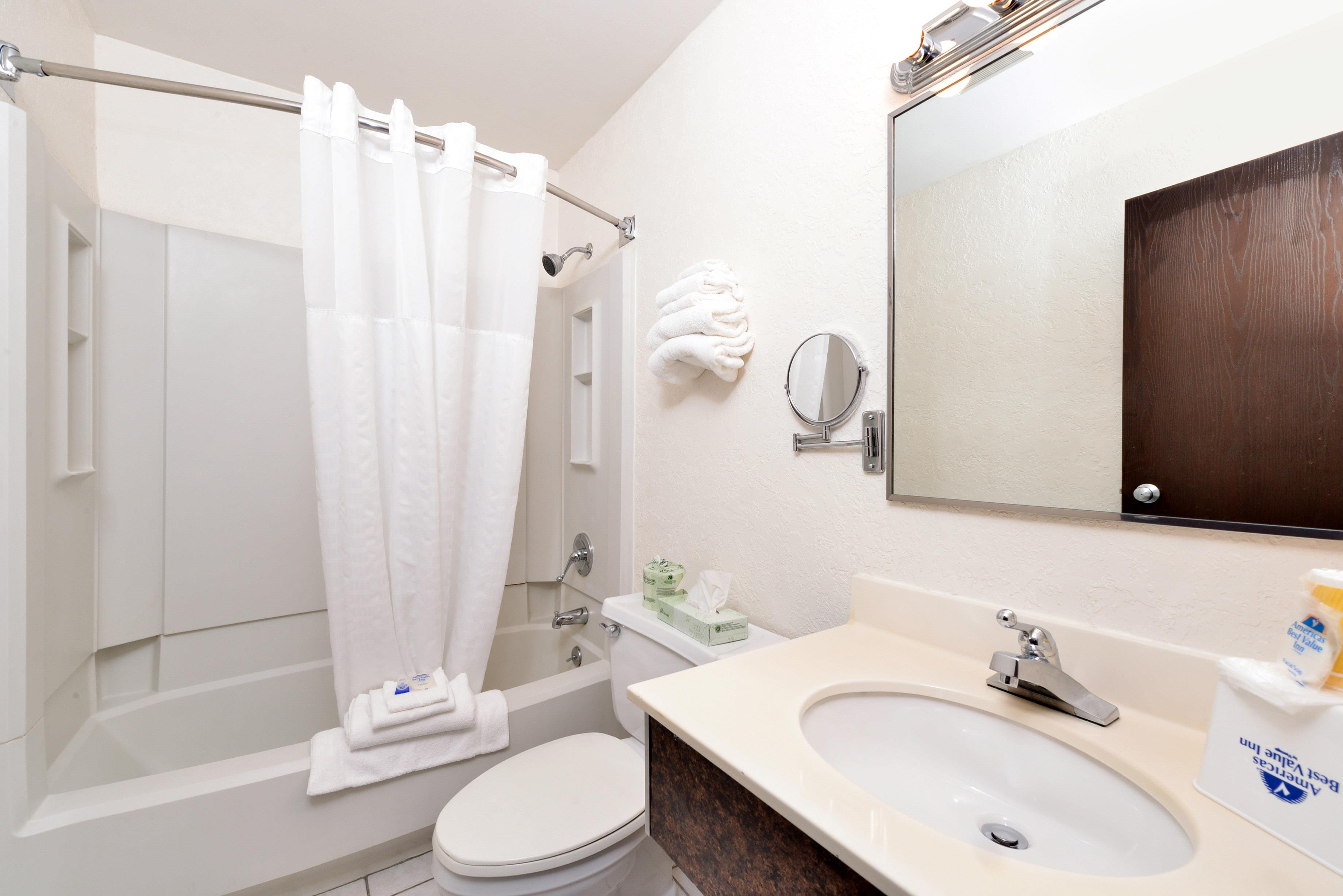Americas Best Value Inn - New Paltz image 20