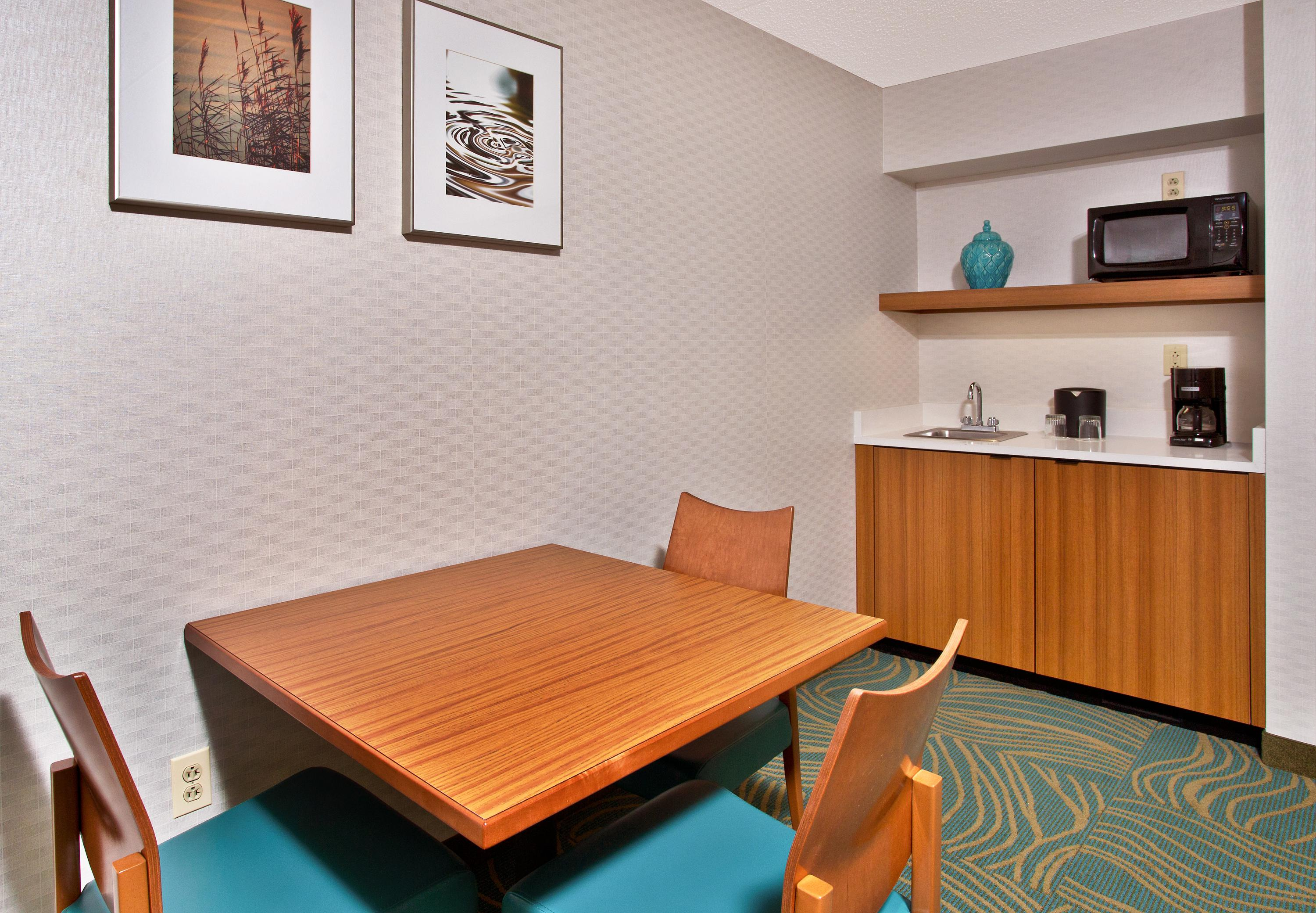 SpringHill Suites by Marriott Chicago Elmhurst/Oakbrook Area image 4