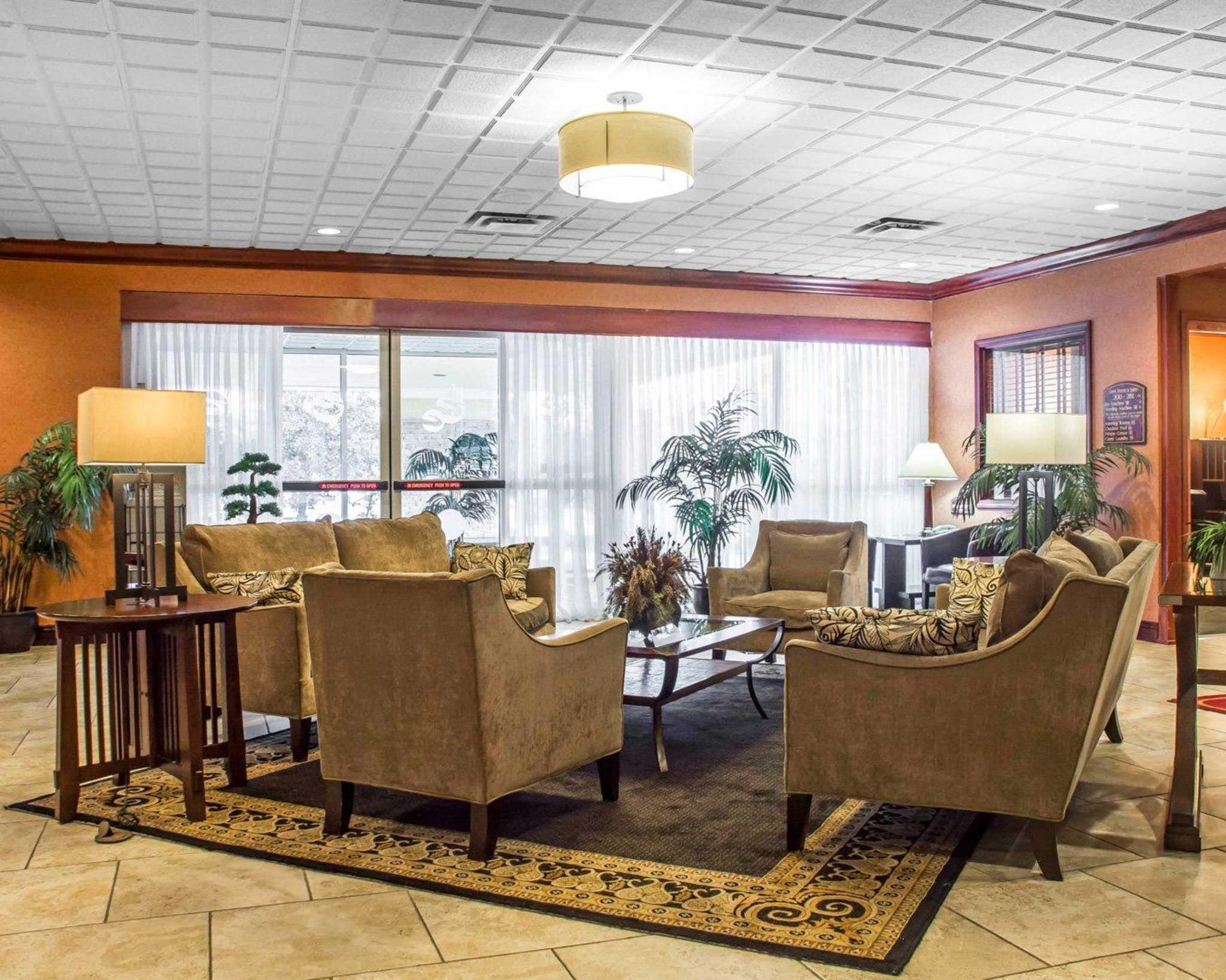Quality Inn & Suites Fairgrounds image 9