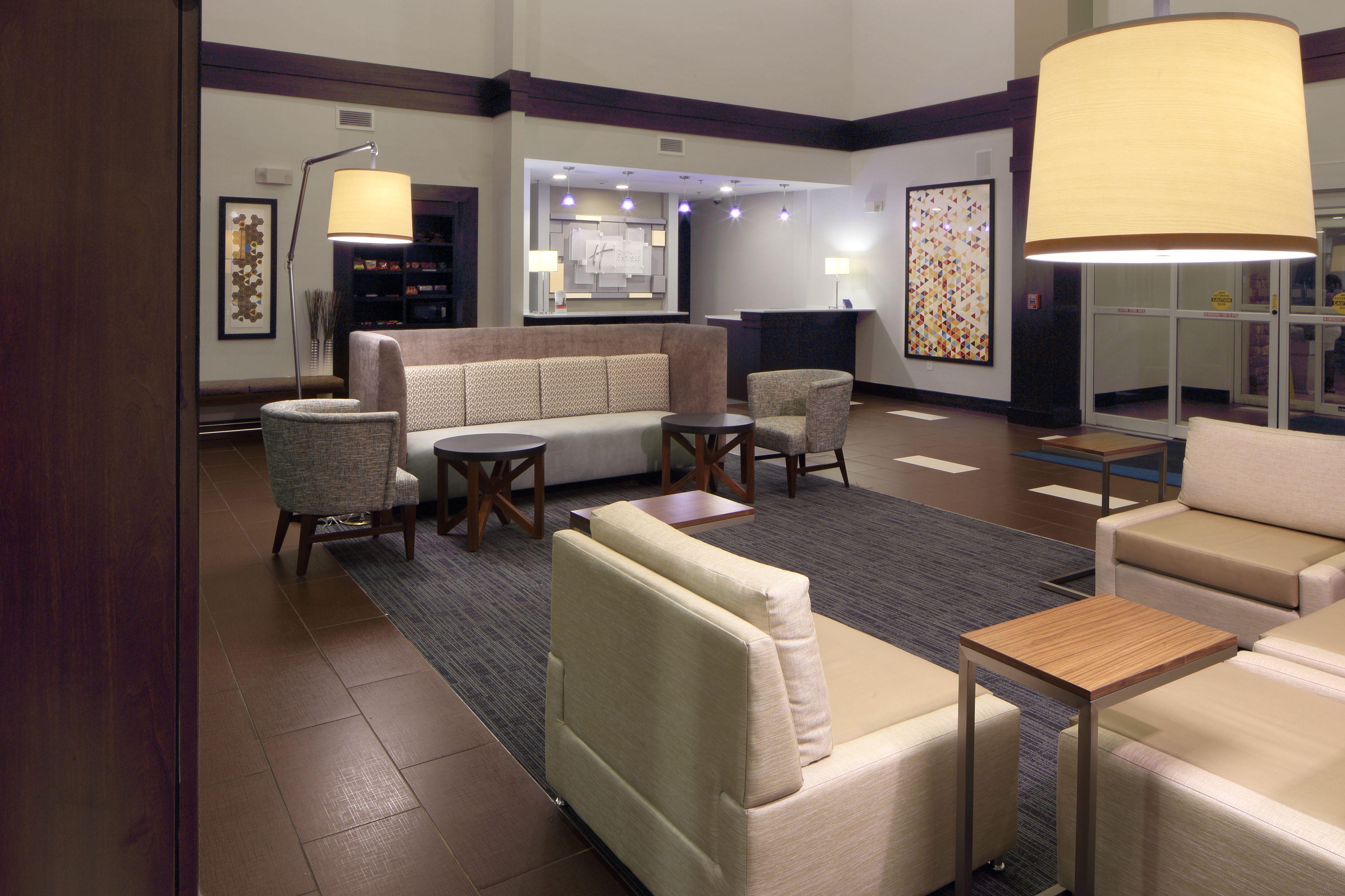 Holiday Inn Express & Suites Atlanta Arpt West - Camp Creek image 5