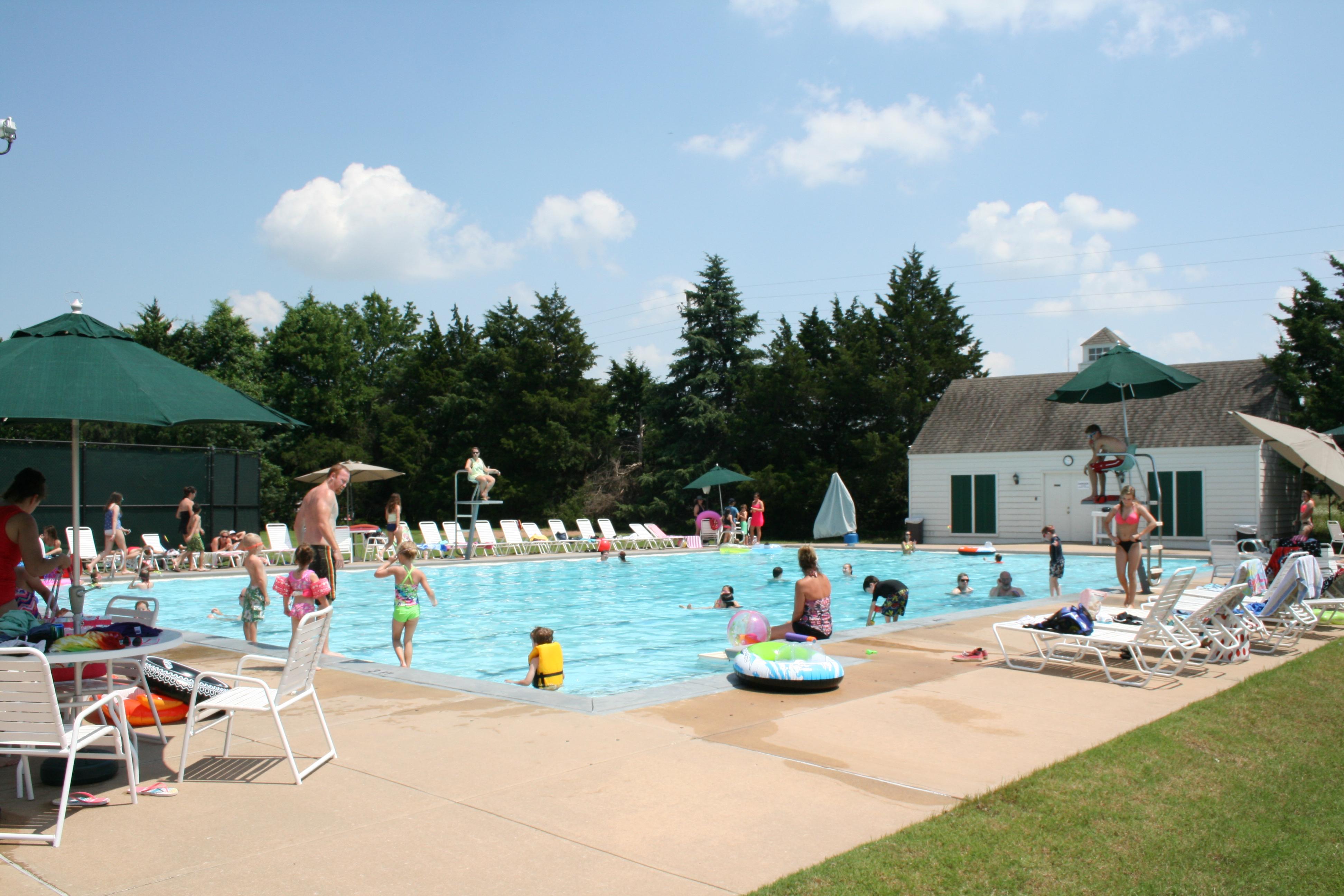 Forest Ridge Swim & Tennis Center image 0