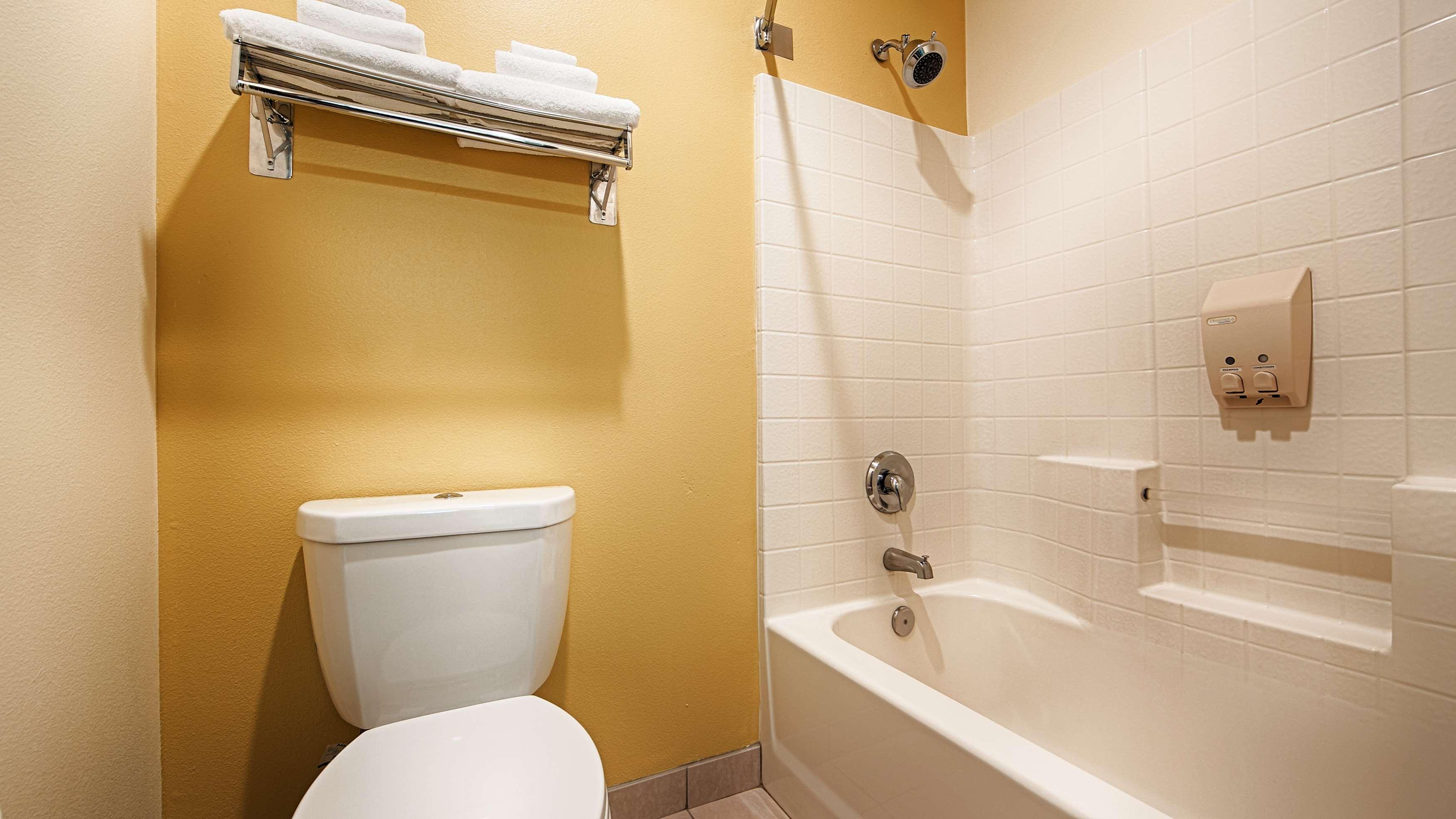 Best Western Plus Park Place Inn & Suites image 17