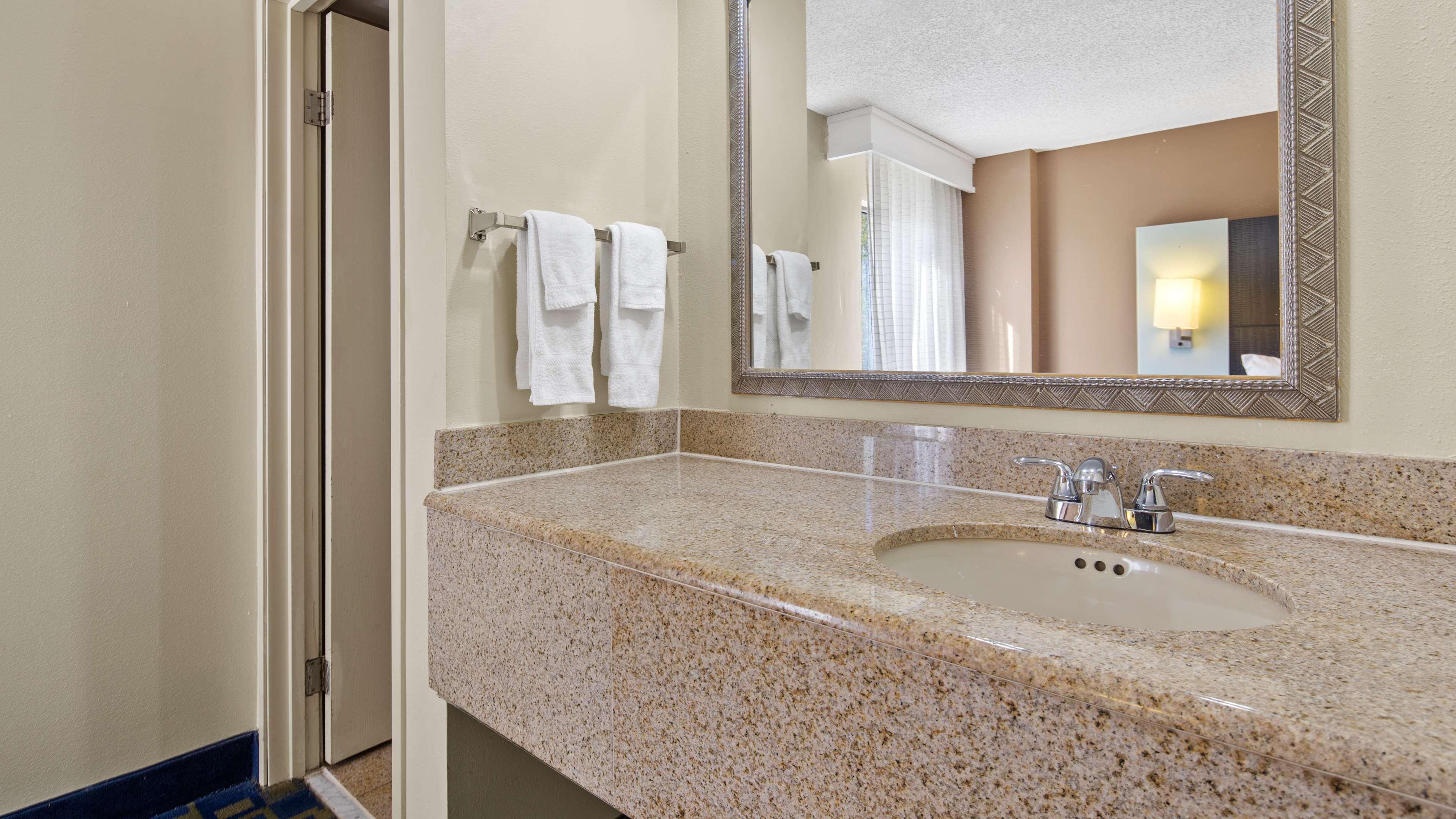 Best Western Southside Hotel & Suites image 12