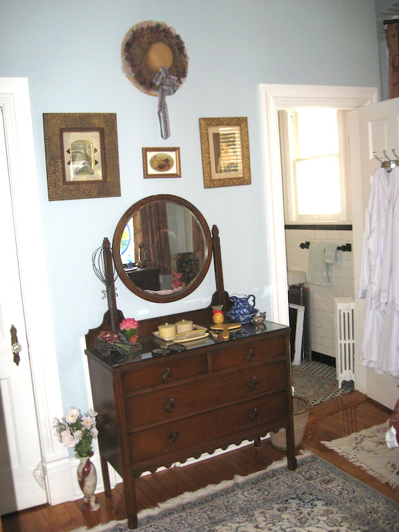 The Mermaids' Porch Bed & Breakfast image 1