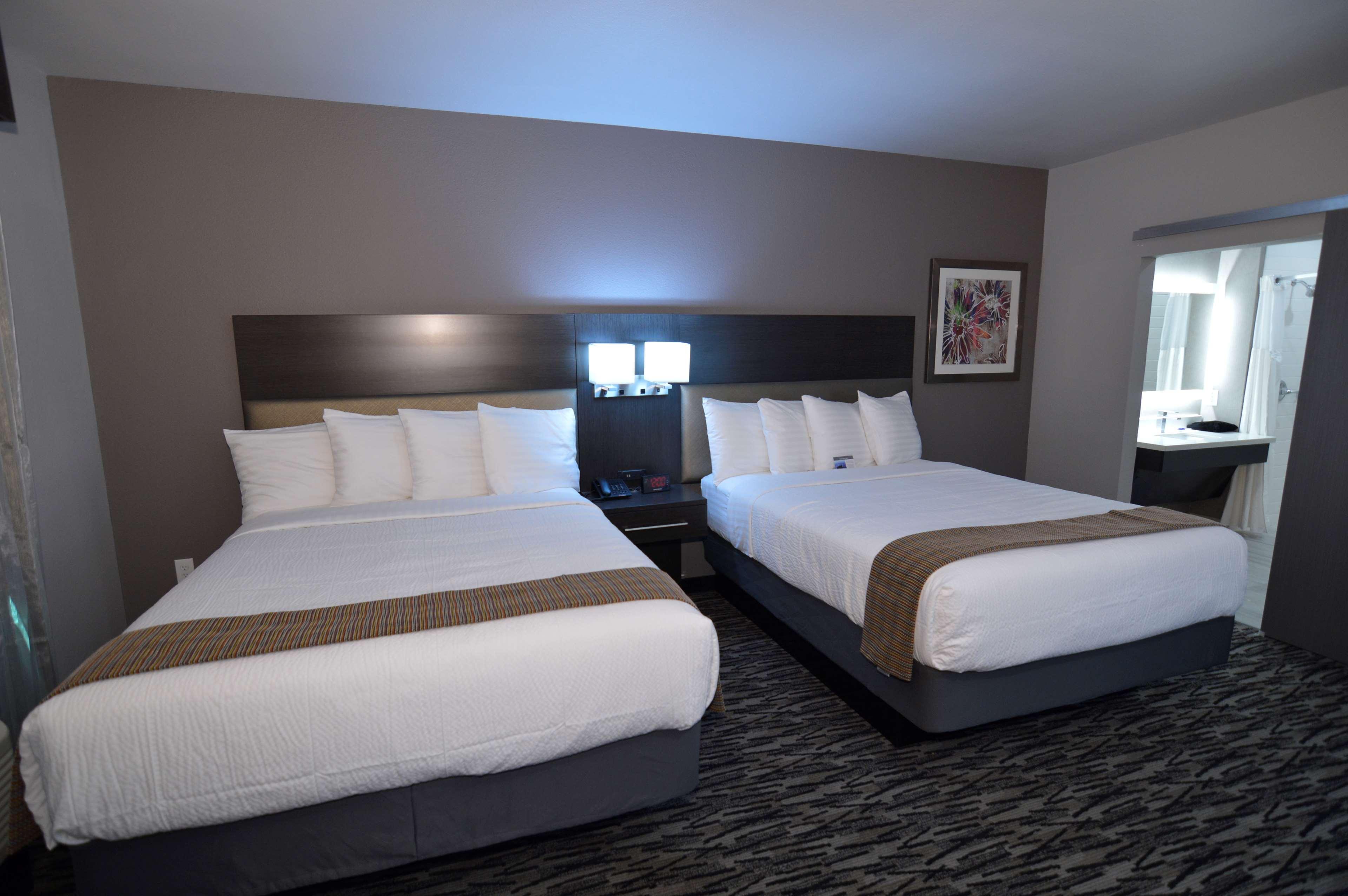 Best Western Plus Executive Residency Baytown image 39
