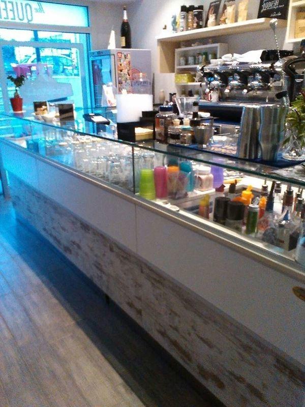 Arredamenti tirale commercio di mobili per ufficio bari for Di bari arredamenti outlet