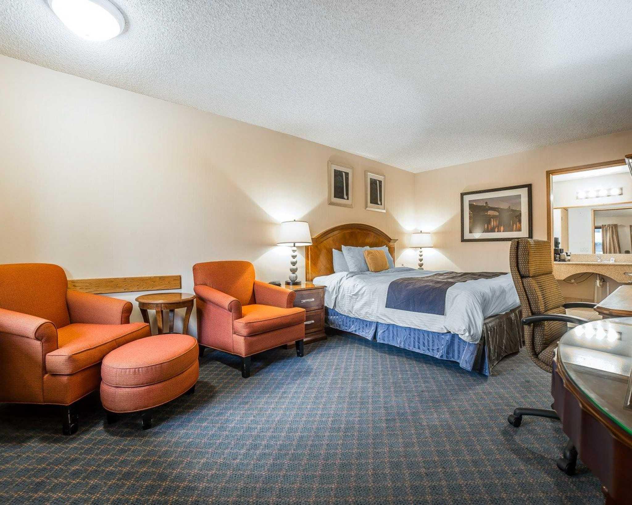 Rodeway Inn image 24