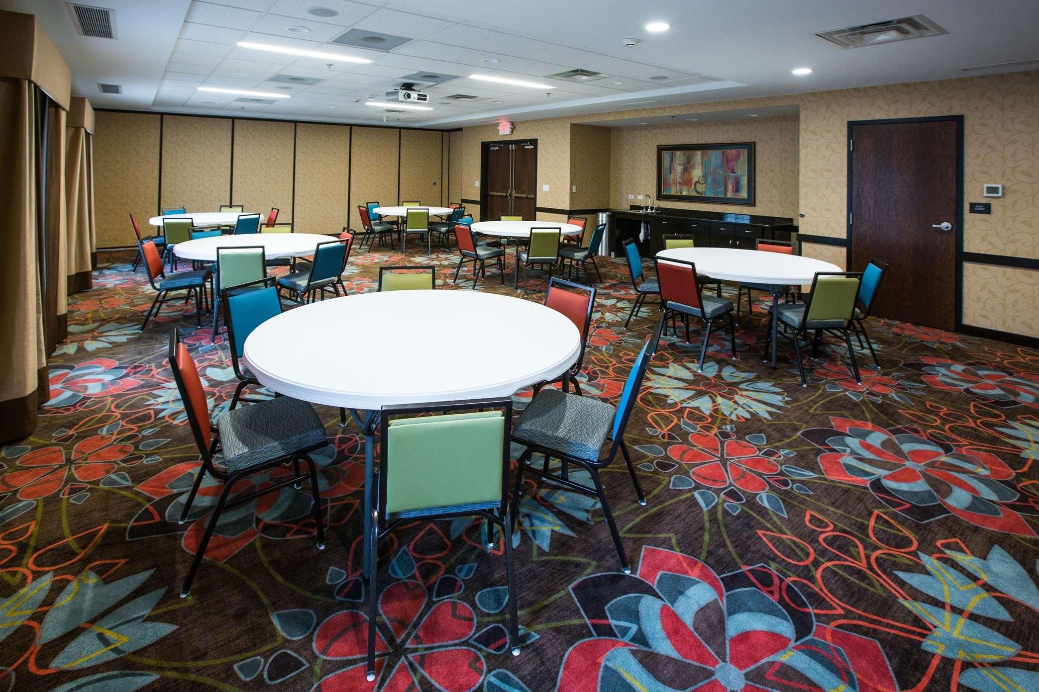 Hampton Inn & Suites Toledo/Westgate image 16