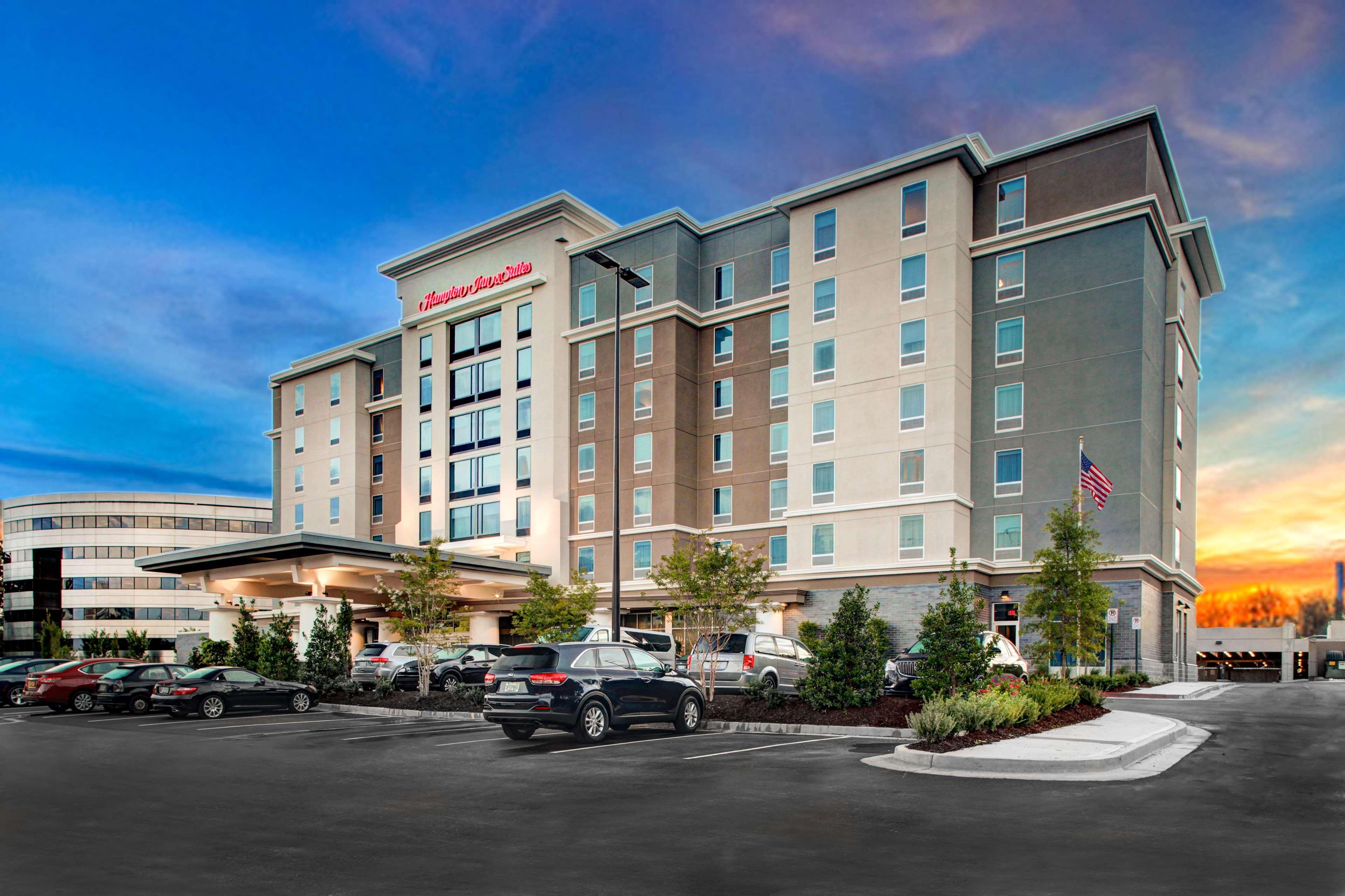 Hampton Inn & Suites by Hilton Atlanta Perimeter Dunwoody image 0