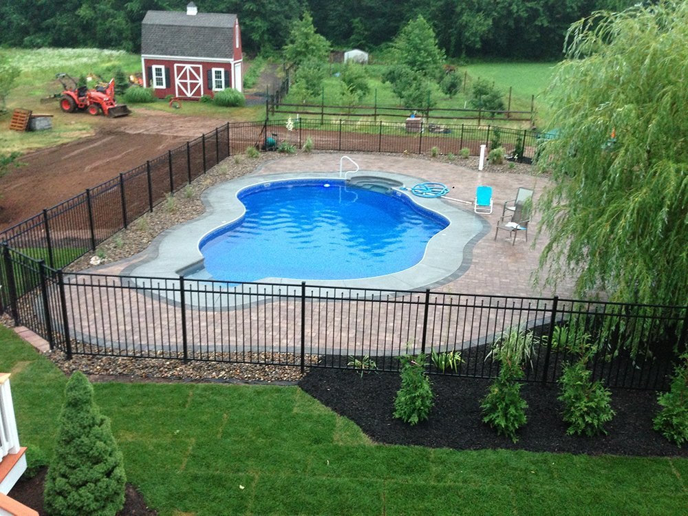 Carolyn Pools Inc. image 0