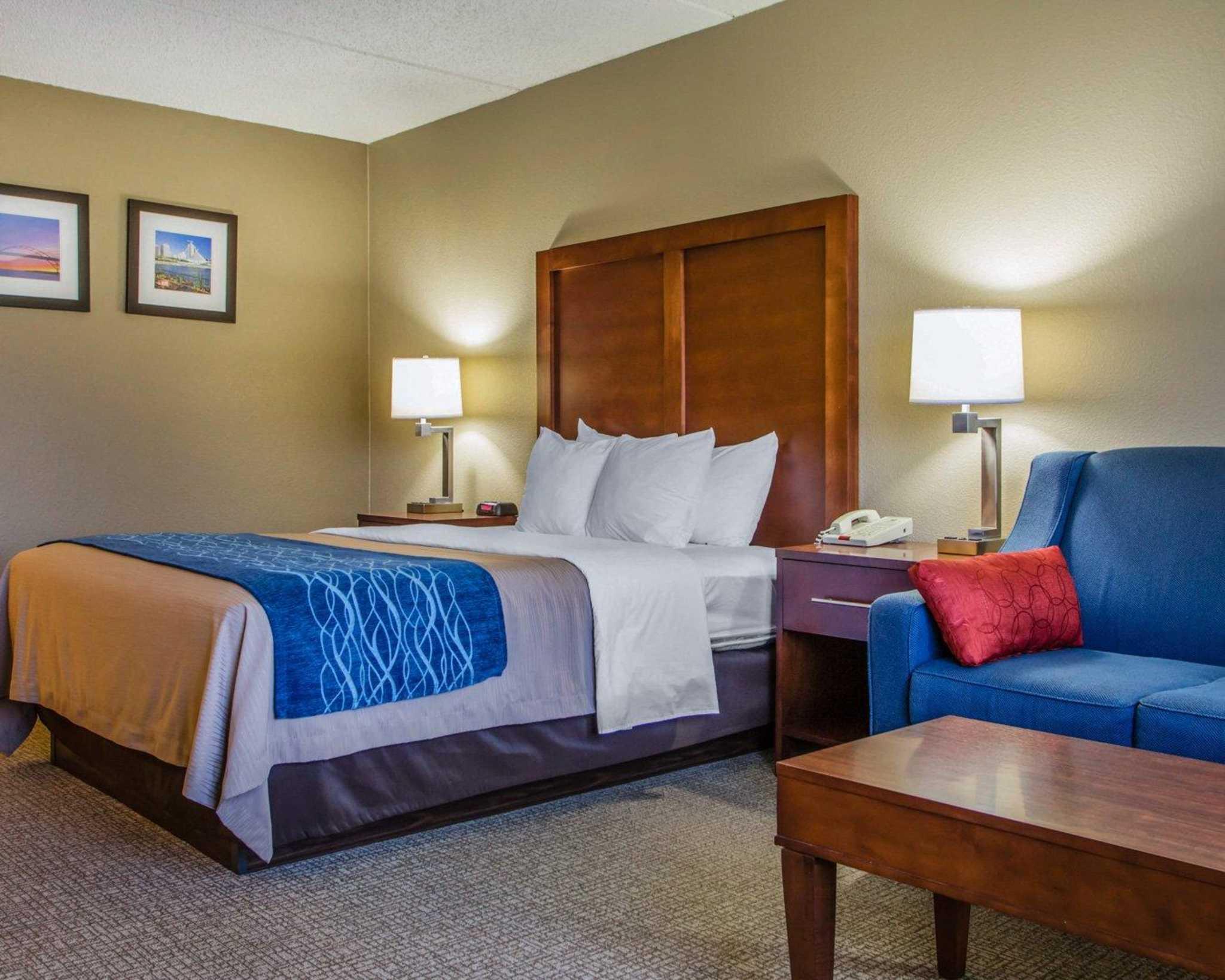 Comfort Inn & Suites Jackson - West Bend image 6